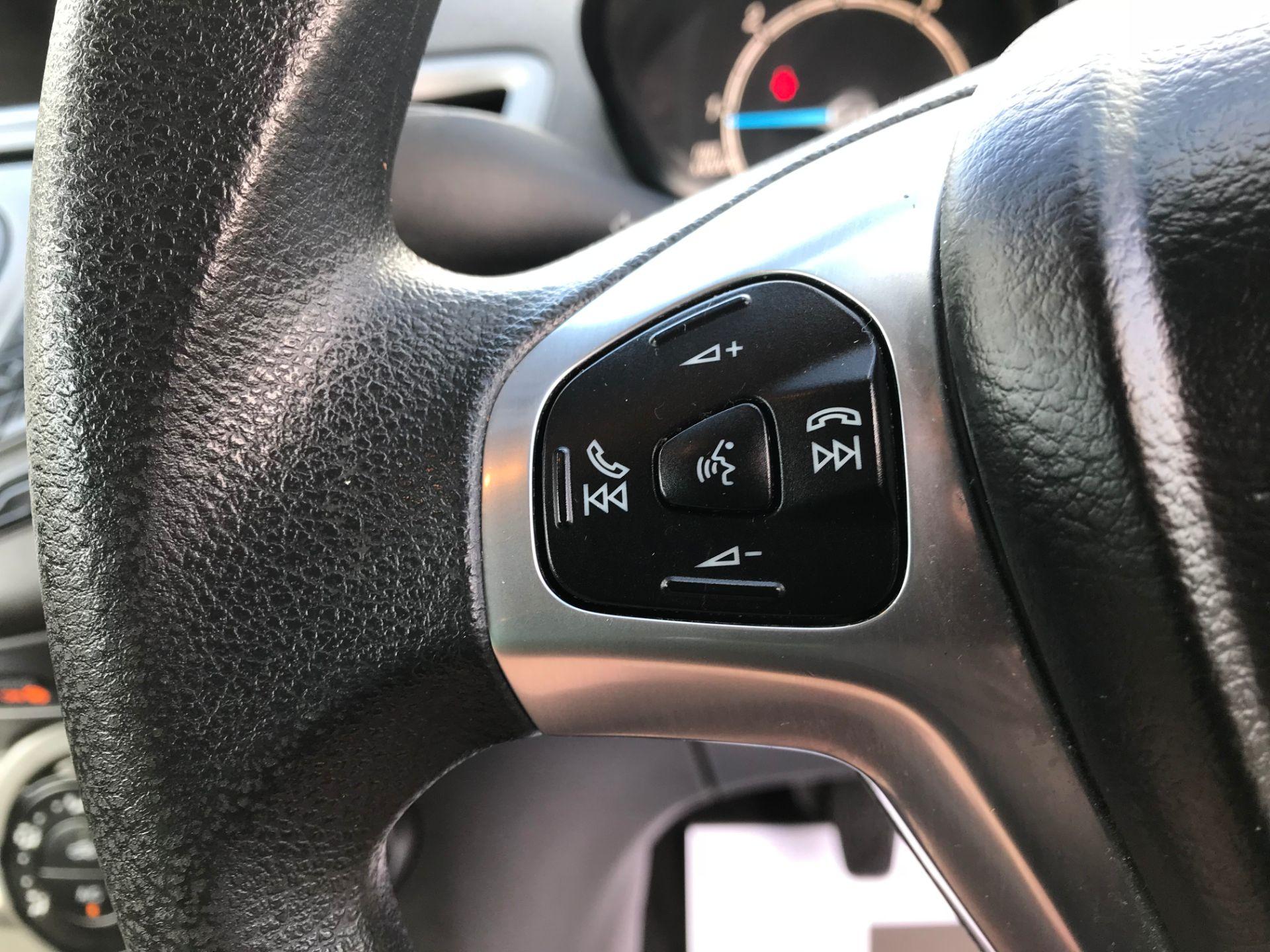2014 Ford Fiesta DIESEL 1.5 TDCI VAN EURO 5 (ND14EBZ) Image 19