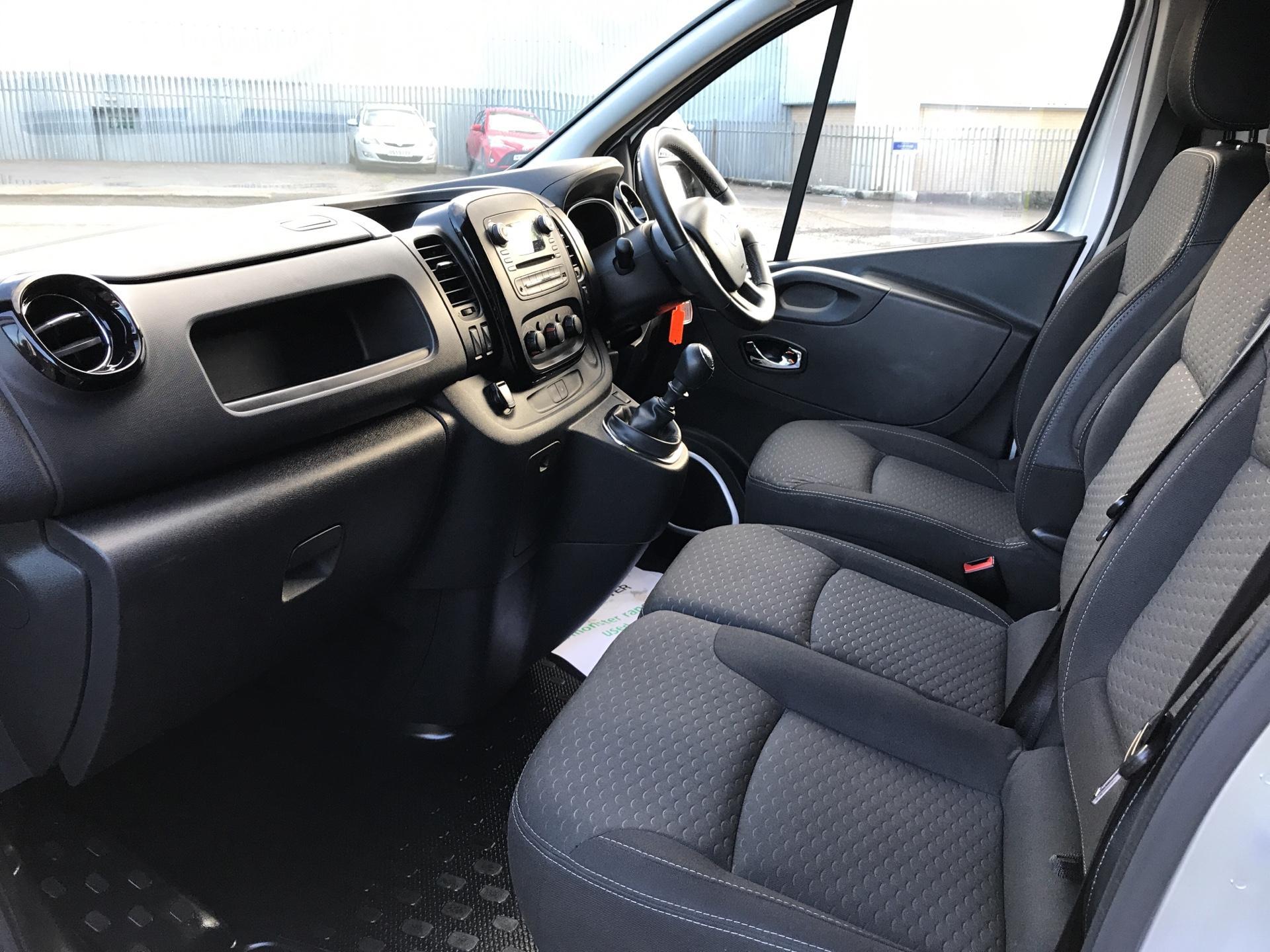 2017 Vauxhall Vivaro L1 H1 2700 1.6 CDTI 120PS SPORTIVE EURO 6 (ND17UNH) Image 14