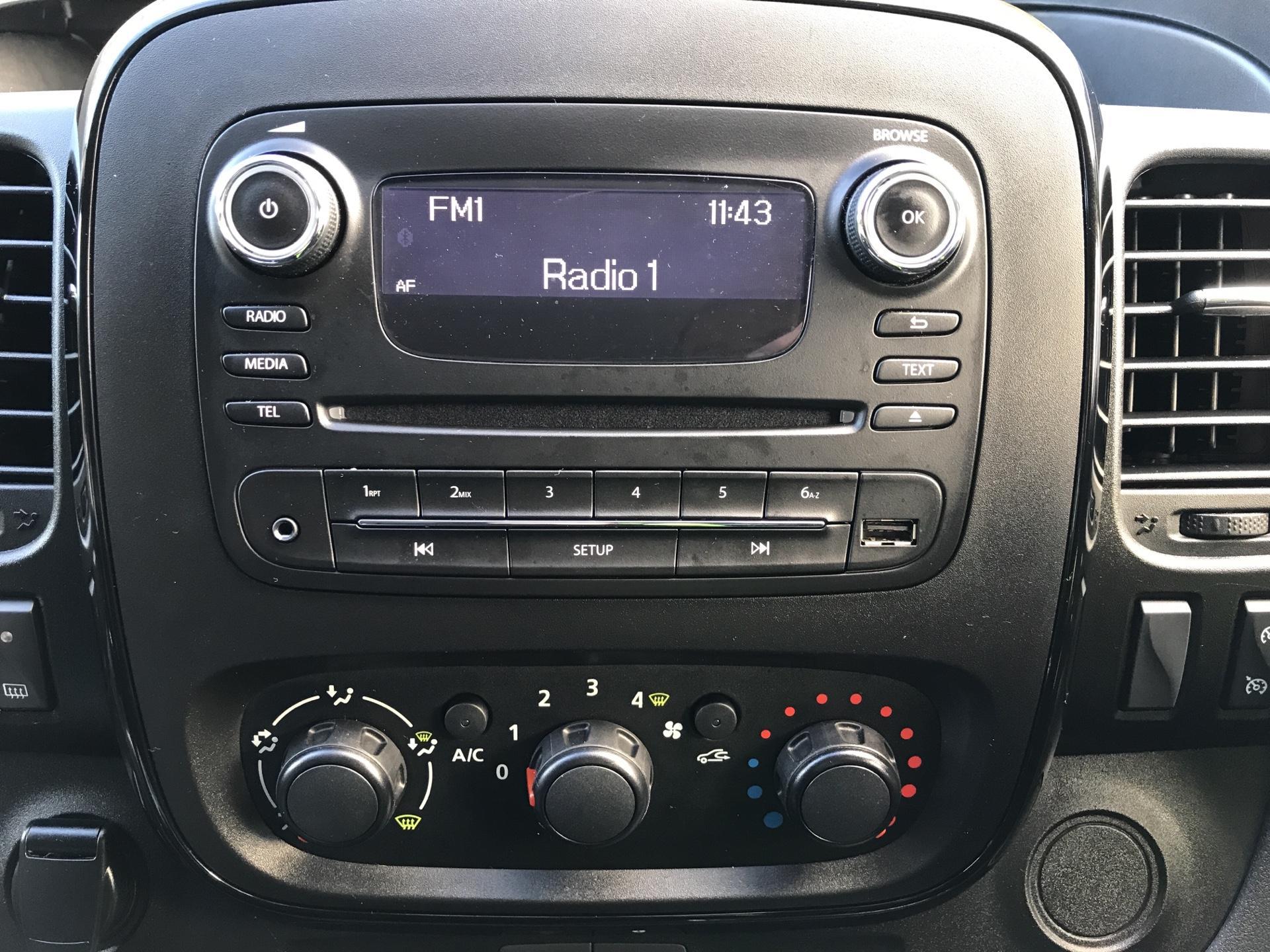 2017 Vauxhall Vivaro L1 H1 2700 1.6 CDTI 120PS SPORTIVE EURO 6 (ND17UNH) Image 10