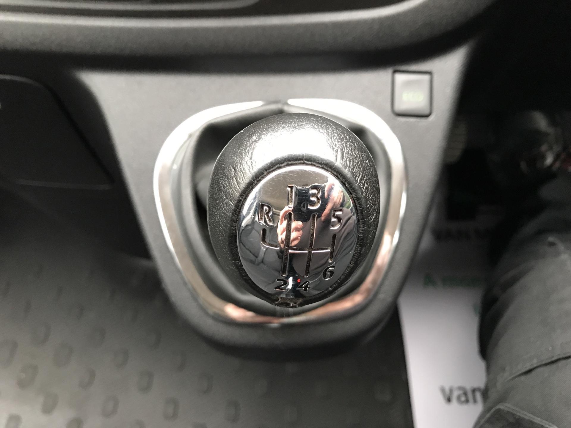 2017 Vauxhall Vivaro L1 H1 2700 1.6 CDTI 120PS SPORTIVE EURO 6 (ND17UNJ) Image 11
