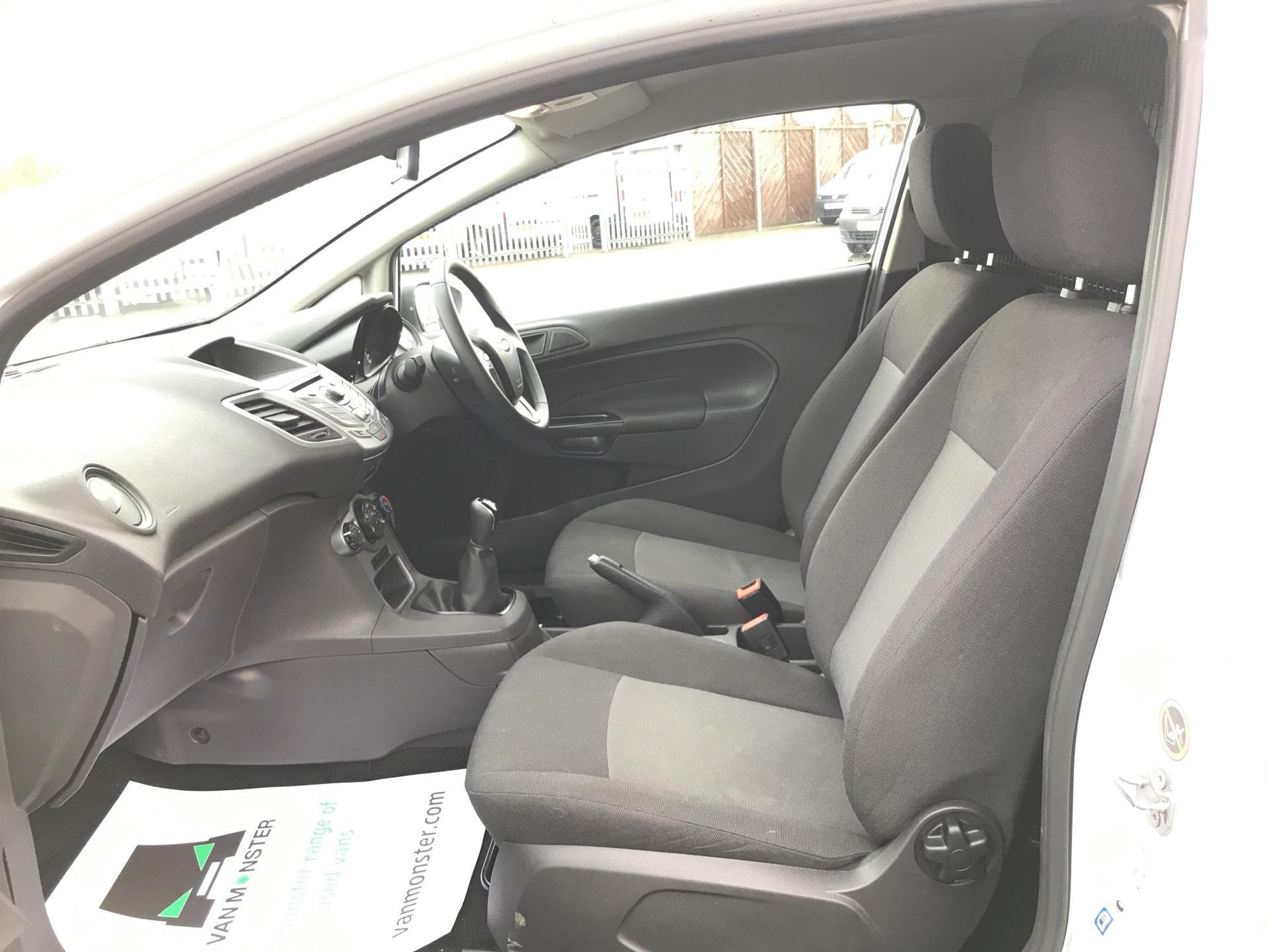 2014 Ford Fiesta  DIESEL 1.5 TDCI VAN EURO 5 AIR CON (ND64EDV) Image 14