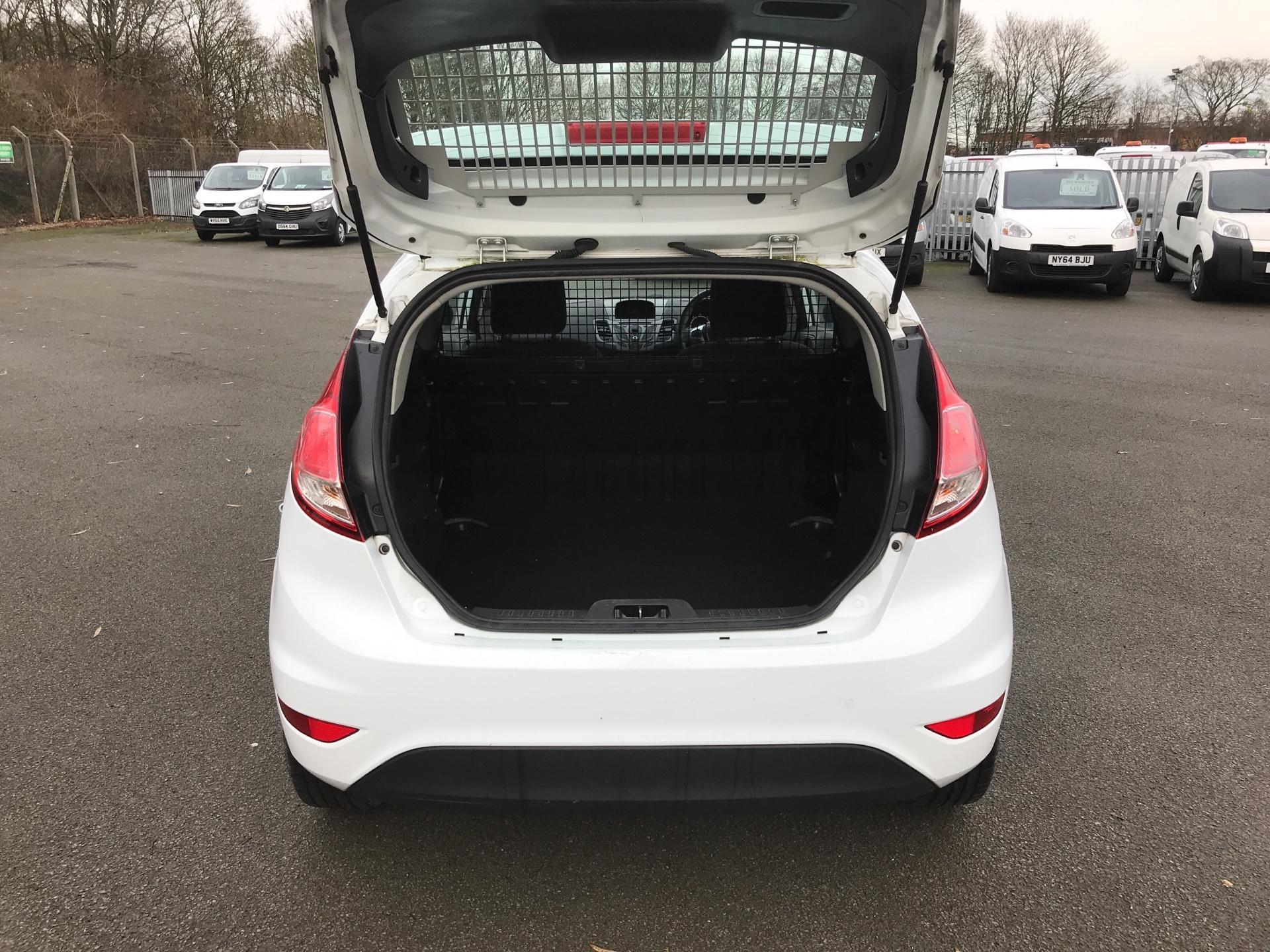 2014 Ford Fiesta  DIESEL 1.5 TDCI VAN EURO 5 AIR CON (ND64EDV) Image 16