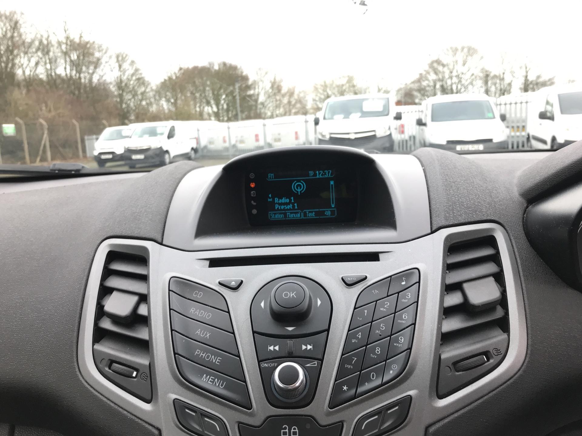2014 Ford Fiesta  DIESEL 1.5 TDCI VAN EURO 5 AIR CON (ND64EDV) Image 10