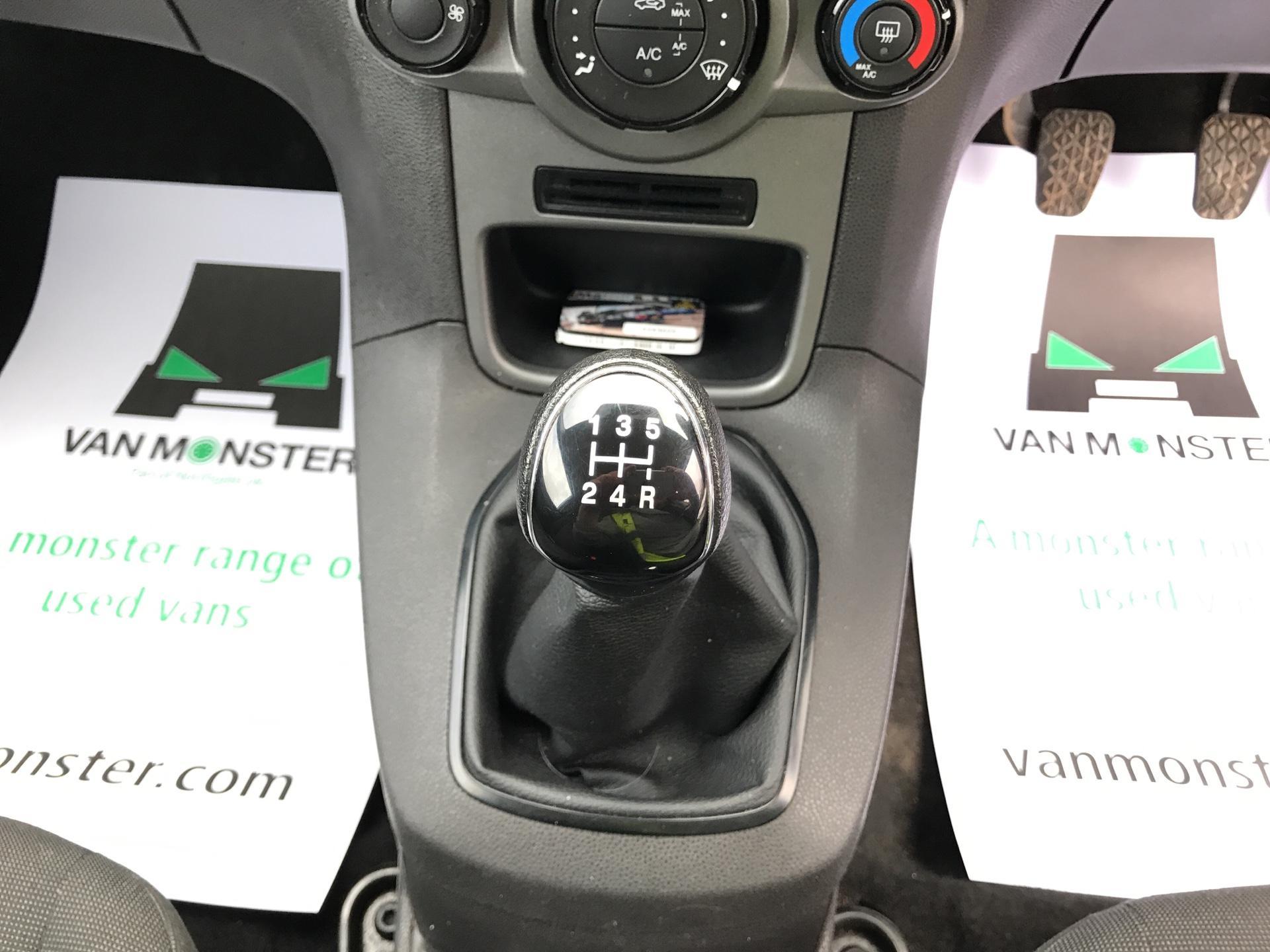 2014 Ford Fiesta  DIESEL 1.5 TDCI VAN EURO 5/6 (ND64EEY) Image 11