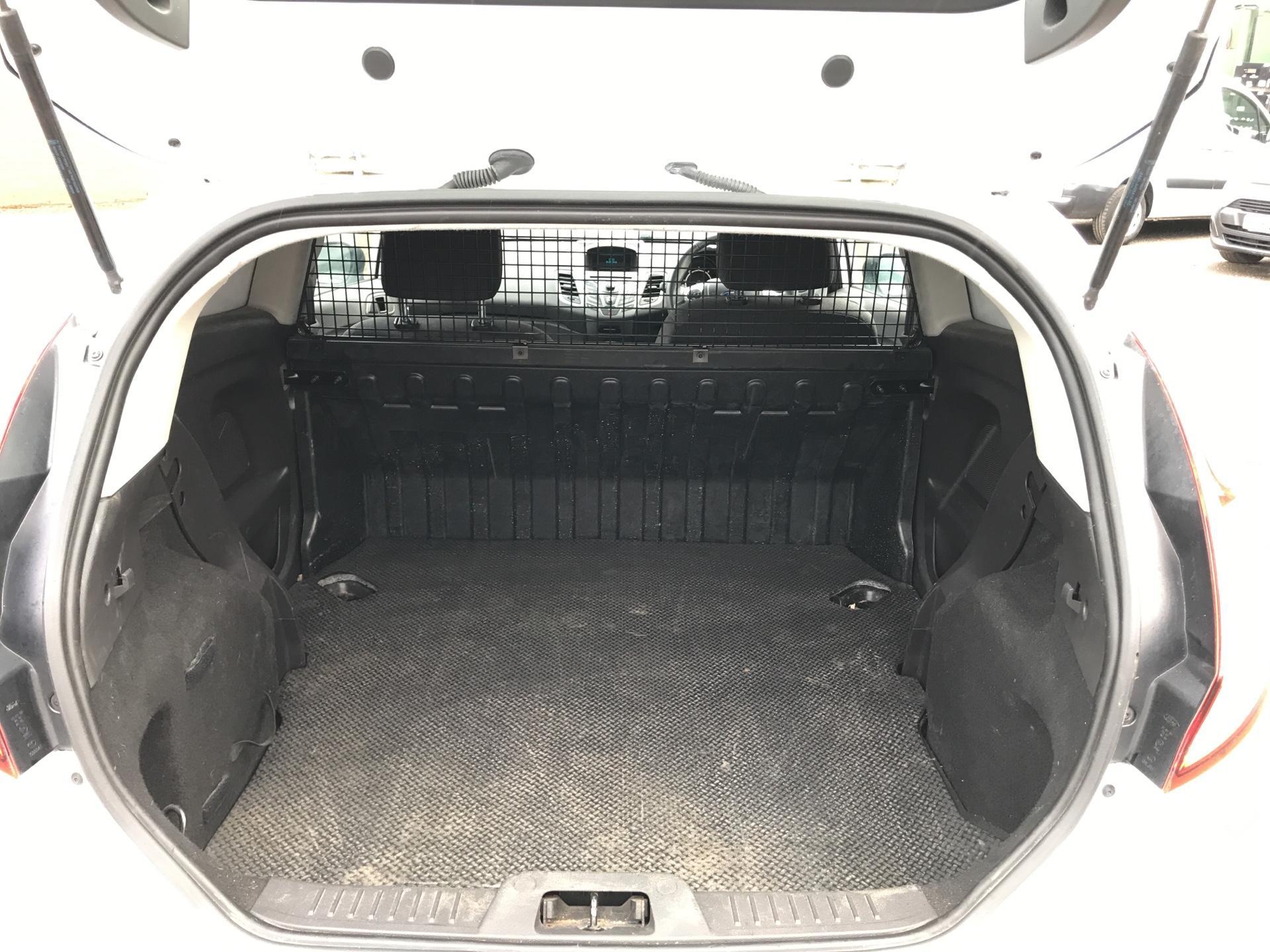 2014 Ford Fiesta  DIESEL 1.5 TDCI VAN EURO 5/6 (ND64EEY) Image 15