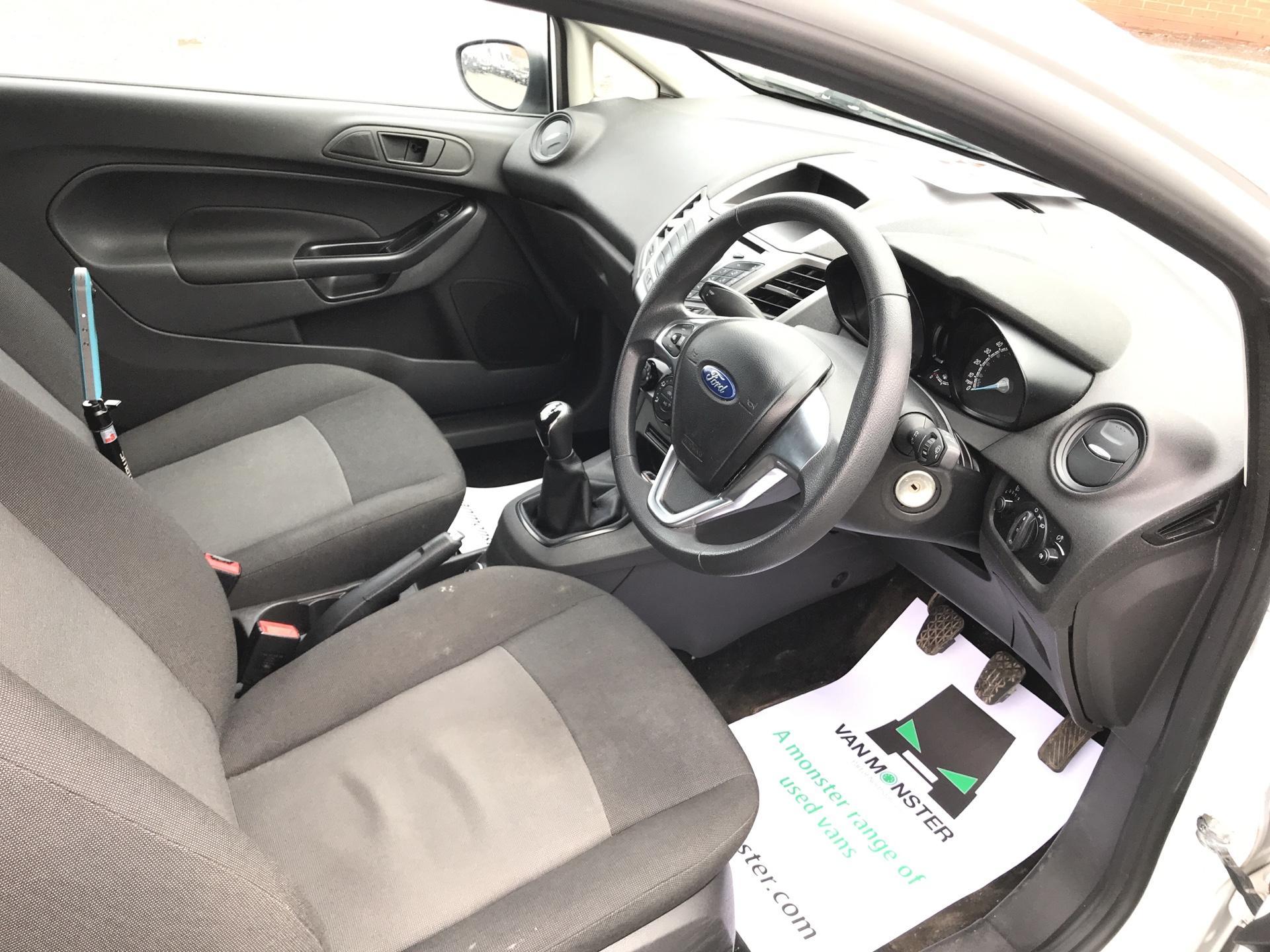 2014 Ford Fiesta  DIESEL 1.5 TDCI VAN EURO 5/6 (ND64EEY) Image 9
