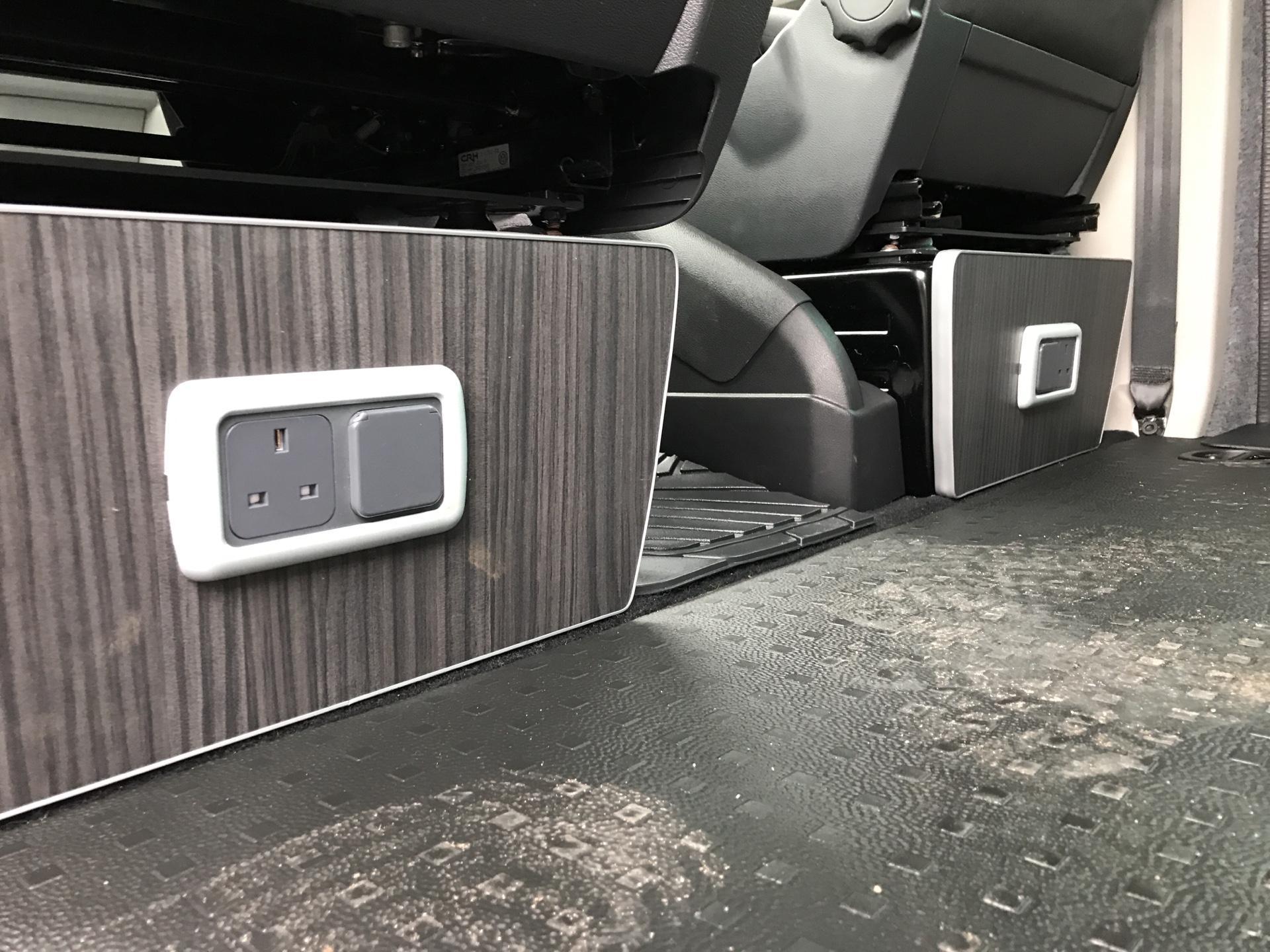 2017 Volkswagen Transporter T32 LWB 2.0TDI BMT 204PS HIGHLINE KOMBI VAN EURO 6 (NG17AWC) Image 28
