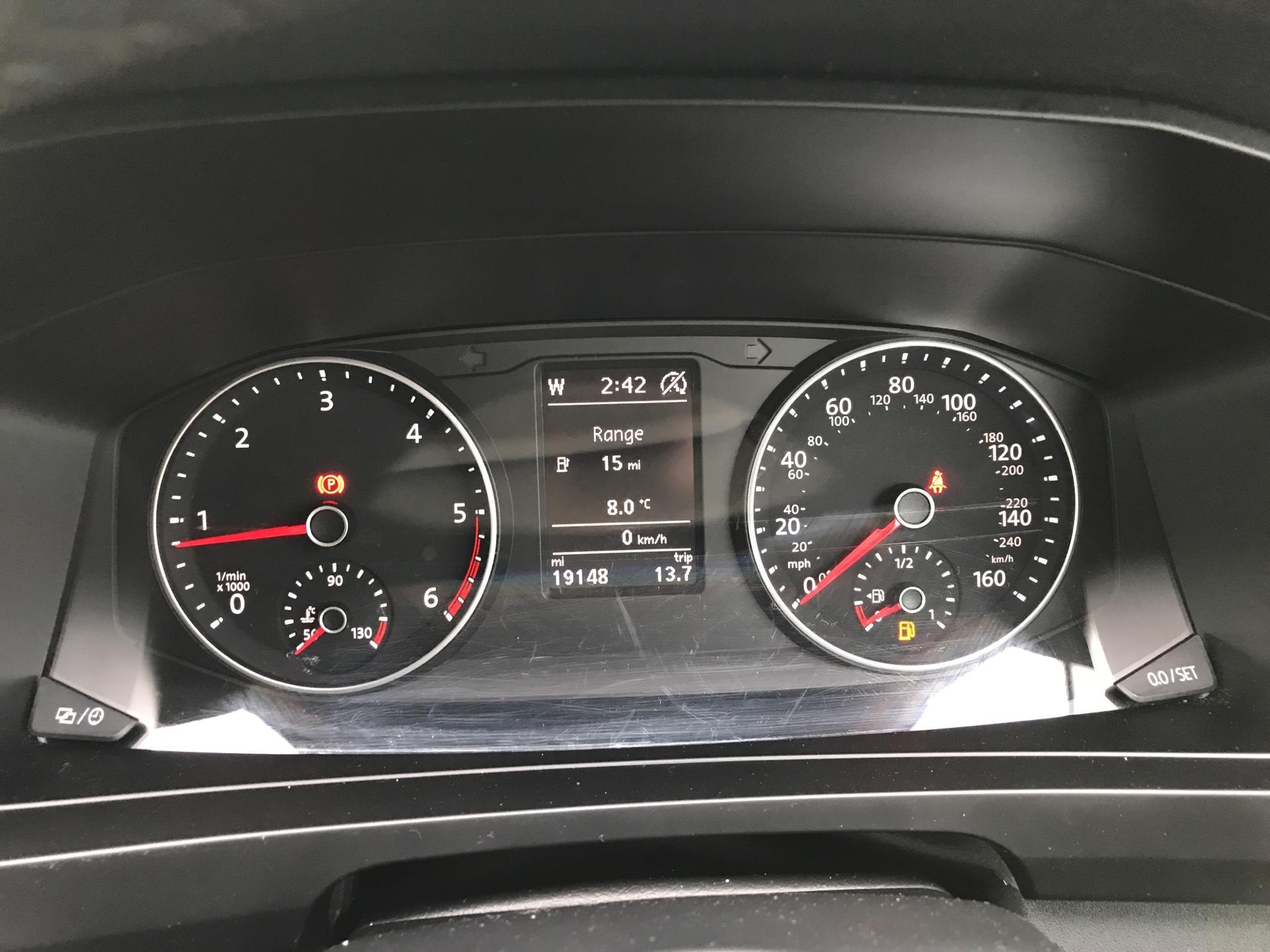 2017 Volkswagen Transporter T32 LWB 2.0TDI BMT 204PS HIGHLINE KOMBI VAN EURO 6 (NG17AWC) Image 13