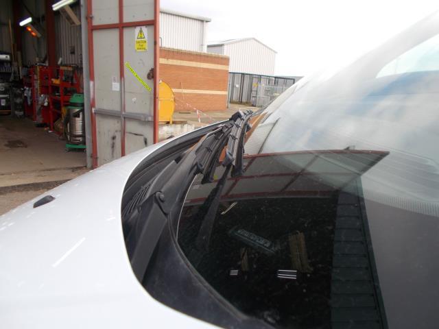 2015 Ford Transit Custom 290 L1 DIESEL FWD 2.2  TDCI 100PS LOW ROOF VAN EURO 5 (NG64JXH) Image 15