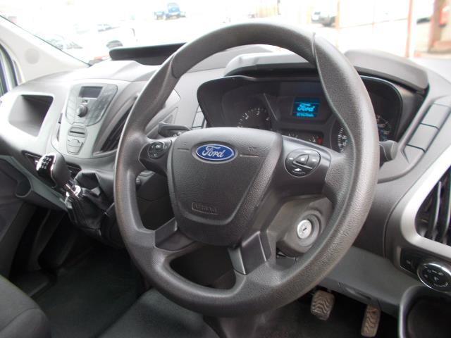 2015 Ford Transit Custom 290 L1 DIESEL FWD 2.2  TDCI 100PS LOW ROOF VAN EURO 5 (NG64JXH) Image 20