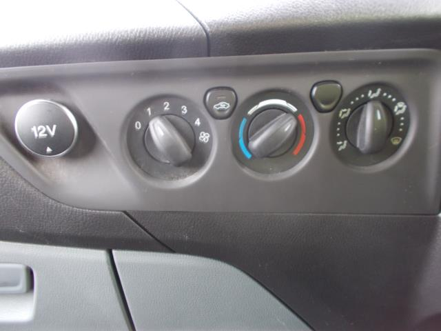 2015 Ford Transit Custom 290 L1 DIESEL FWD 2.2  TDCI 100PS LOW ROOF VAN EURO 5 (NG64JXH) Image 28