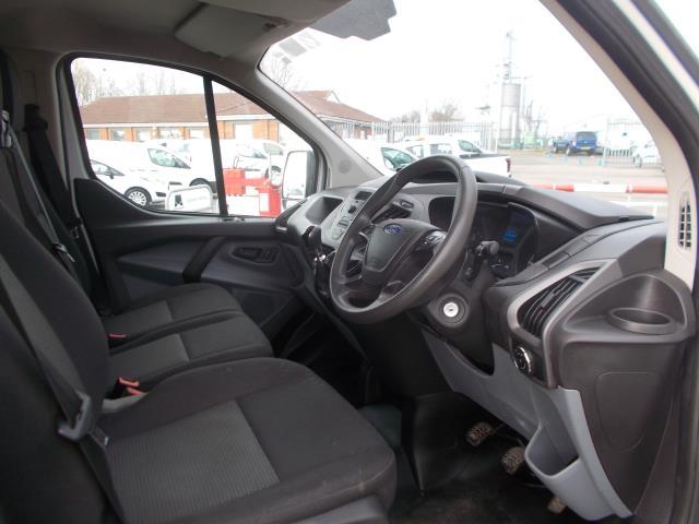 2015 Ford Transit Custom 290 L1 DIESEL FWD 2.2  TDCI 100PS LOW ROOF VAN EURO 5 (NG64JXH) Image 18