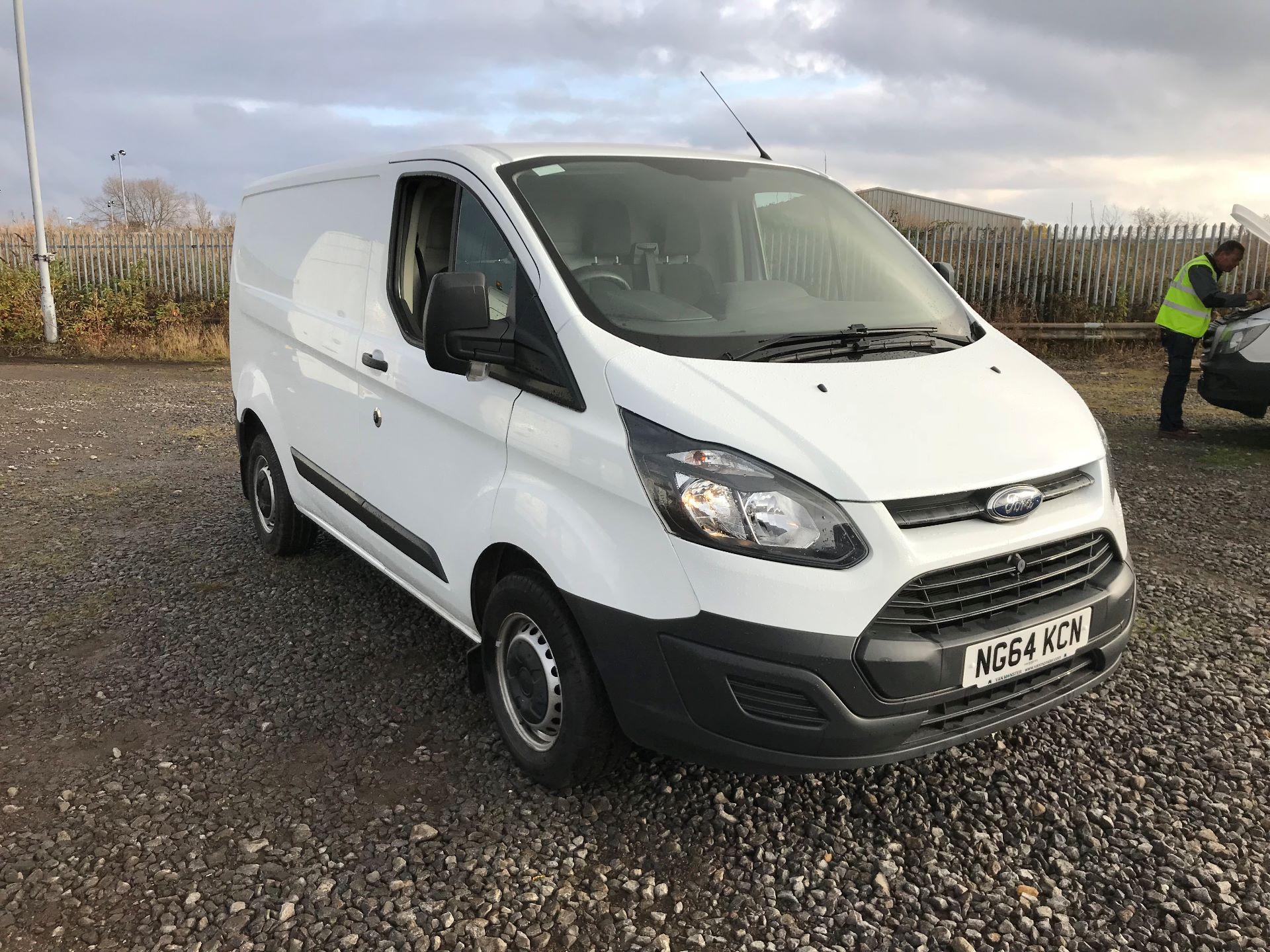 2015 Ford Transit Custom 2.2 Tdci 100Ps Low Roof Van (NG64KCN)