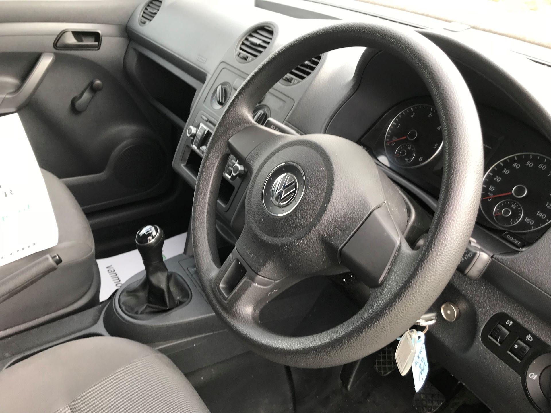 2014 Volkswagen Caddy  1.6 75PS STARTLINE EURO 5 (NJ64EWW) Image 17