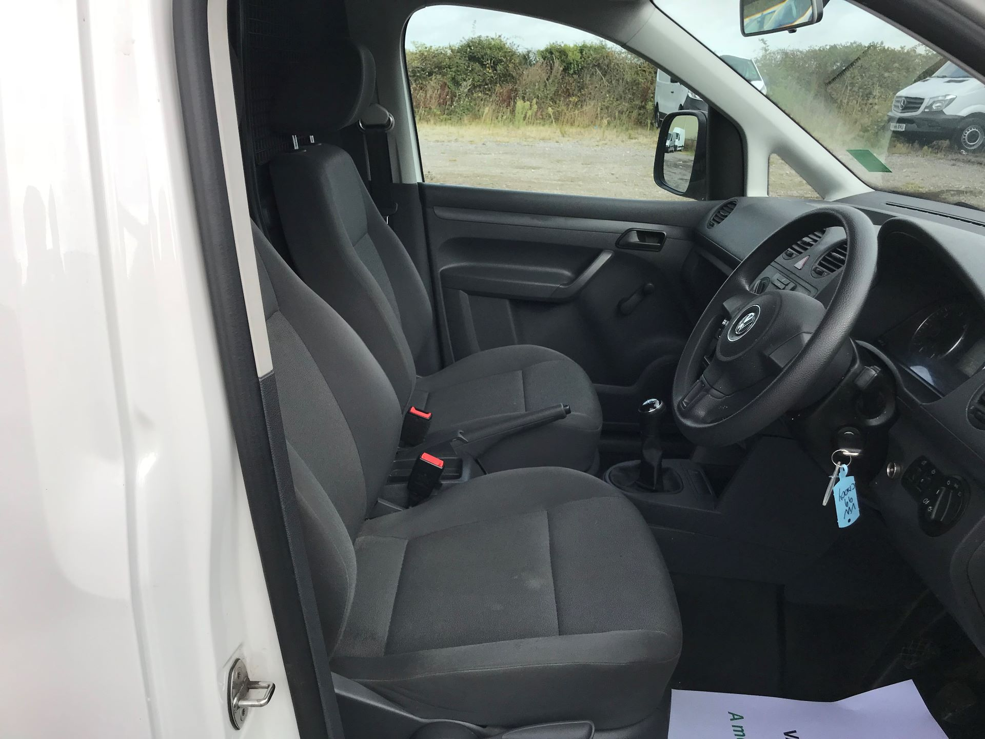2014 Volkswagen Caddy  1.6 75PS STARTLINE EURO 5 (NJ64EWW) Image 16
