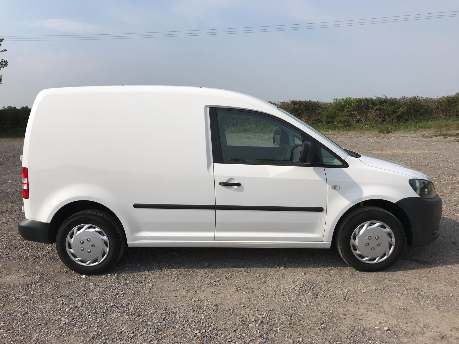 2014 Volkswagen Caddy 1.6 75PS STARTLINE EURO 5 (NJ64EWY) Image 2