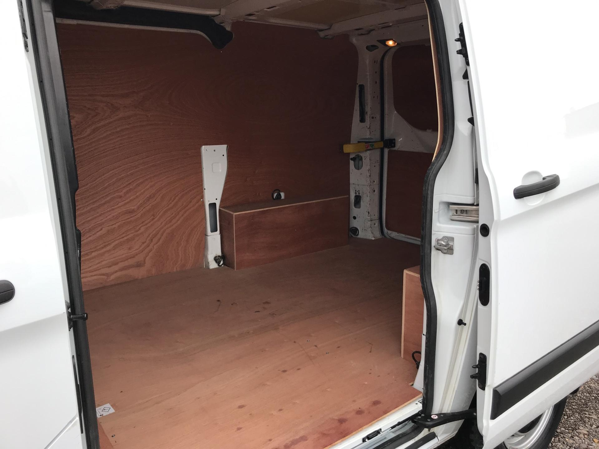 2014 Ford Transit Custom 290 L1 DIESEL FWD 2.2 TDCI 100PS LOW ROOF EURO 5 (NJ64MJO) Image 17