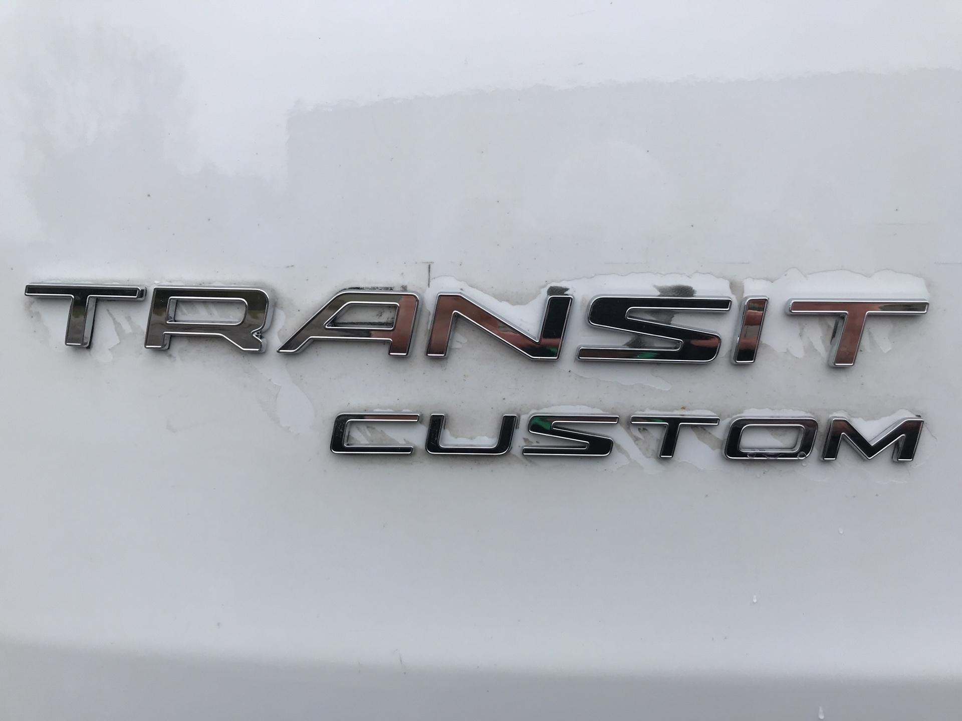 2014 Ford Transit Custom 290 L1 DIESEL FWD 2.2 TDCI 100PS LOW ROOF VAN EURO 5 (NJ64MKE) Image 17