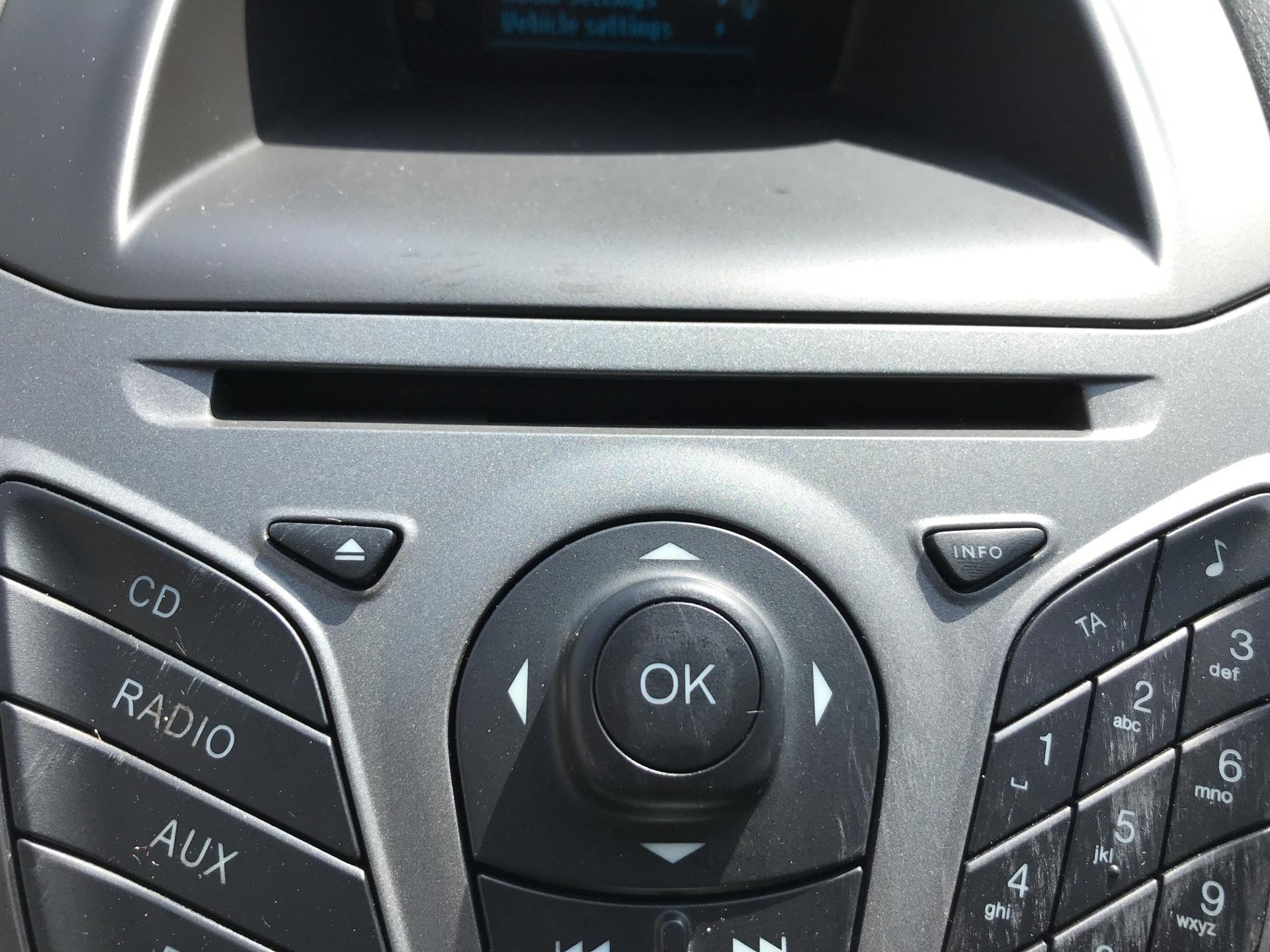2014 Ford Fiesta 1.5TDCI VAN, AIR CON (NJ64MYX) Image 25
