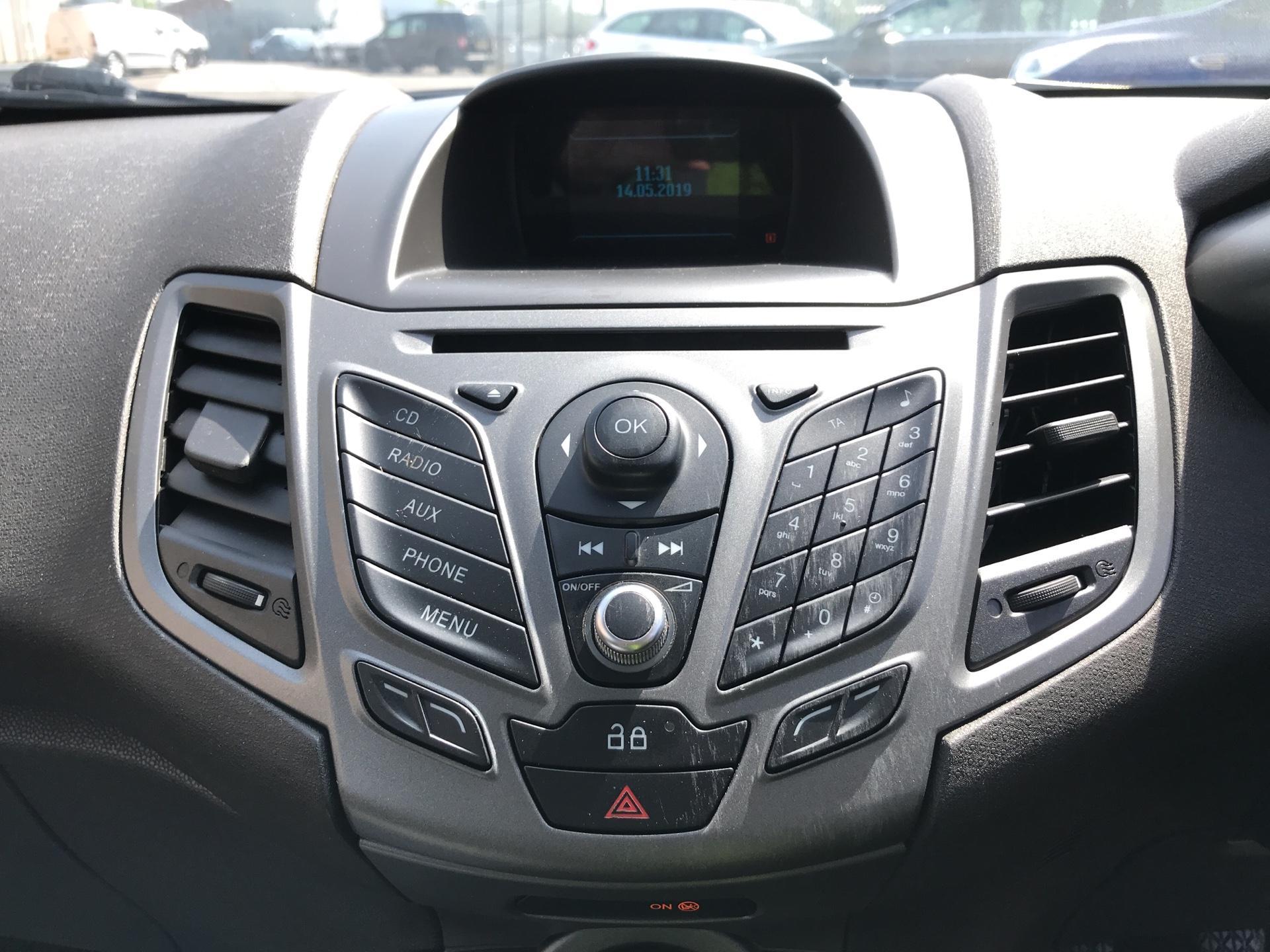 2014 Ford Fiesta 1.5TDCI VAN, AIR CON (NJ64MYX) Image 10
