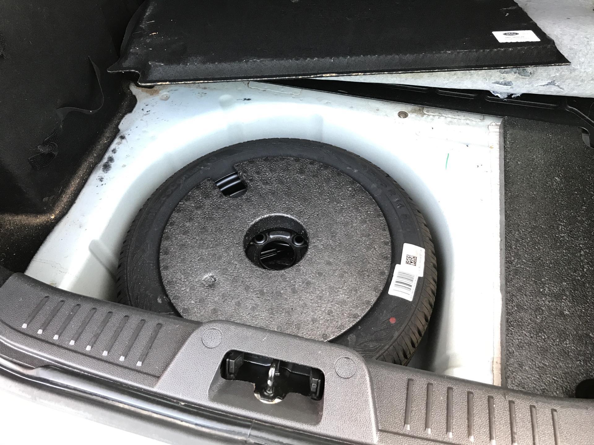 2014 Ford Fiesta 1.5TDCI VAN, AIR CON (NJ64MYX) Image 18