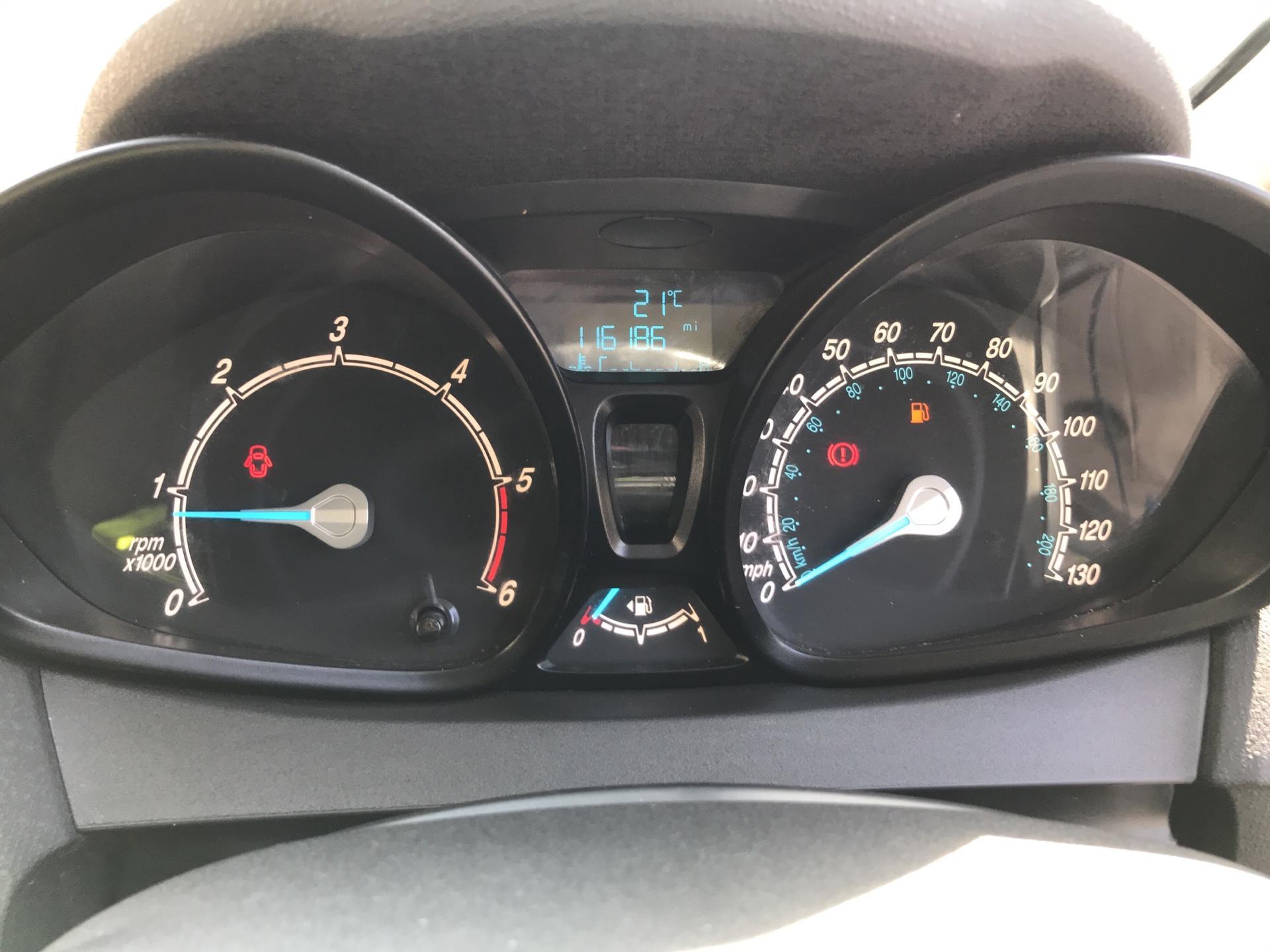 2014 Ford Fiesta 1.5TDCI VAN, AIR CON (NJ64MYX) Image 13