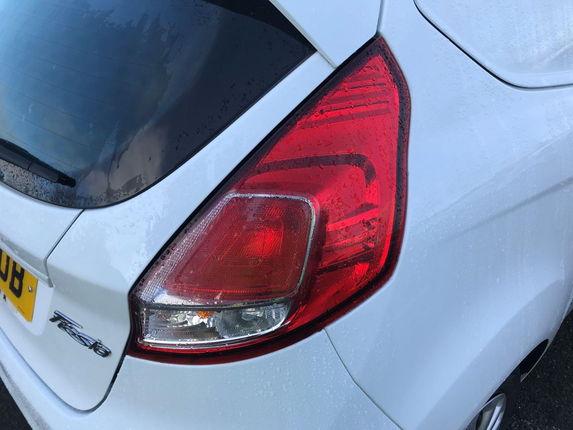 2014 Ford Fiesta  DIESEL 1.5 TDCI VAN EURO 5 (NJ64VUB) Image 13