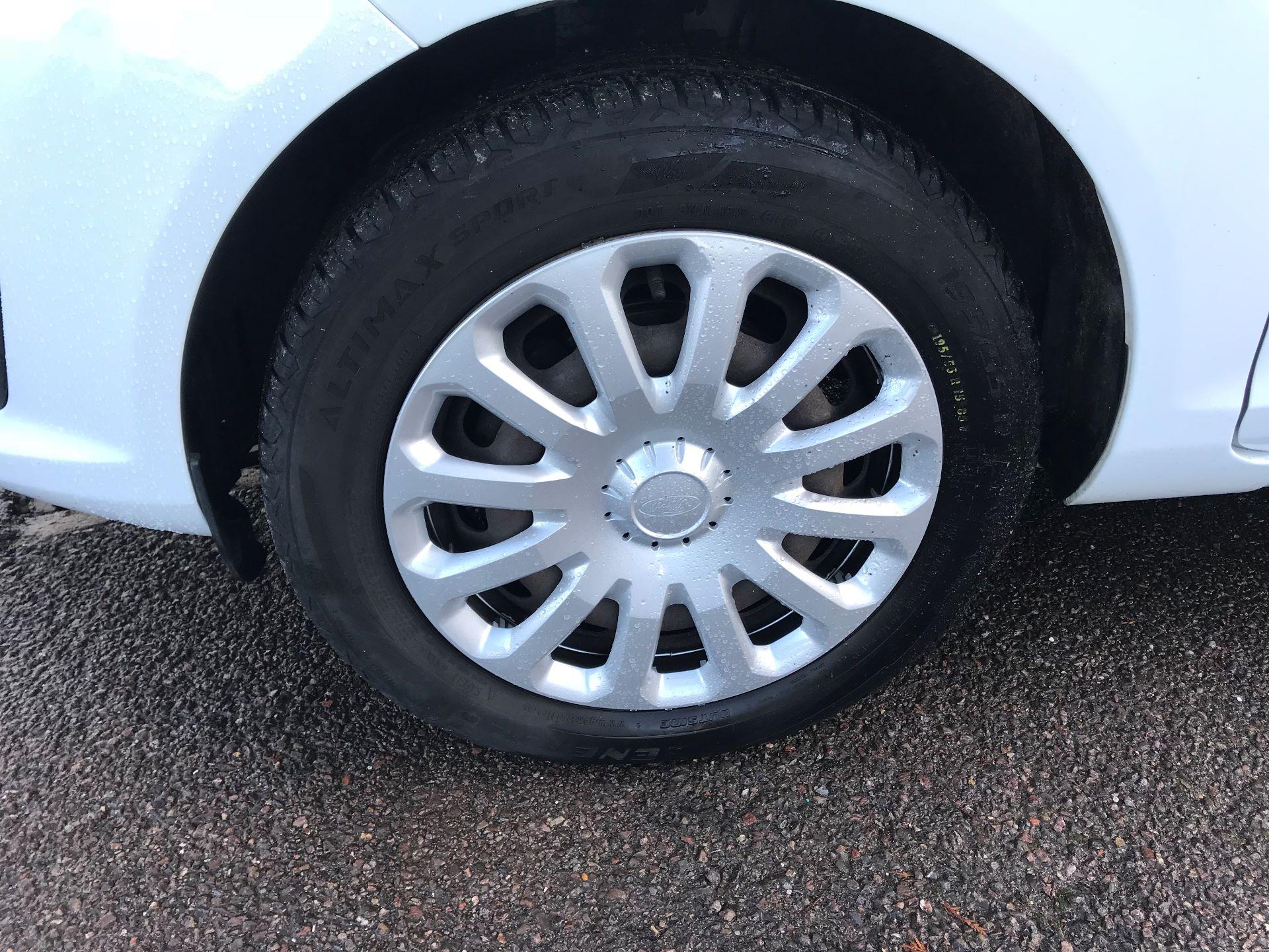 2014 Ford Fiesta  DIESEL 1.5 TDCI VAN EURO 5 (NJ64VUB) Image 16