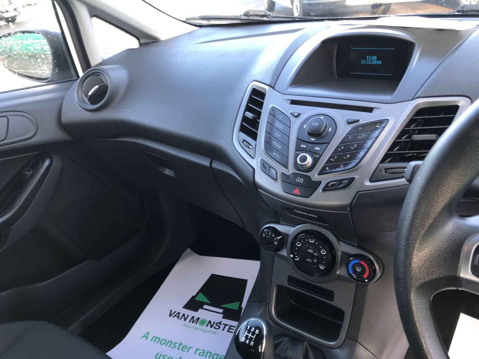 2014 Ford Fiesta  DIESEL 1.5 TDCI VAN EURO 5 (NJ64VUB) Image 23
