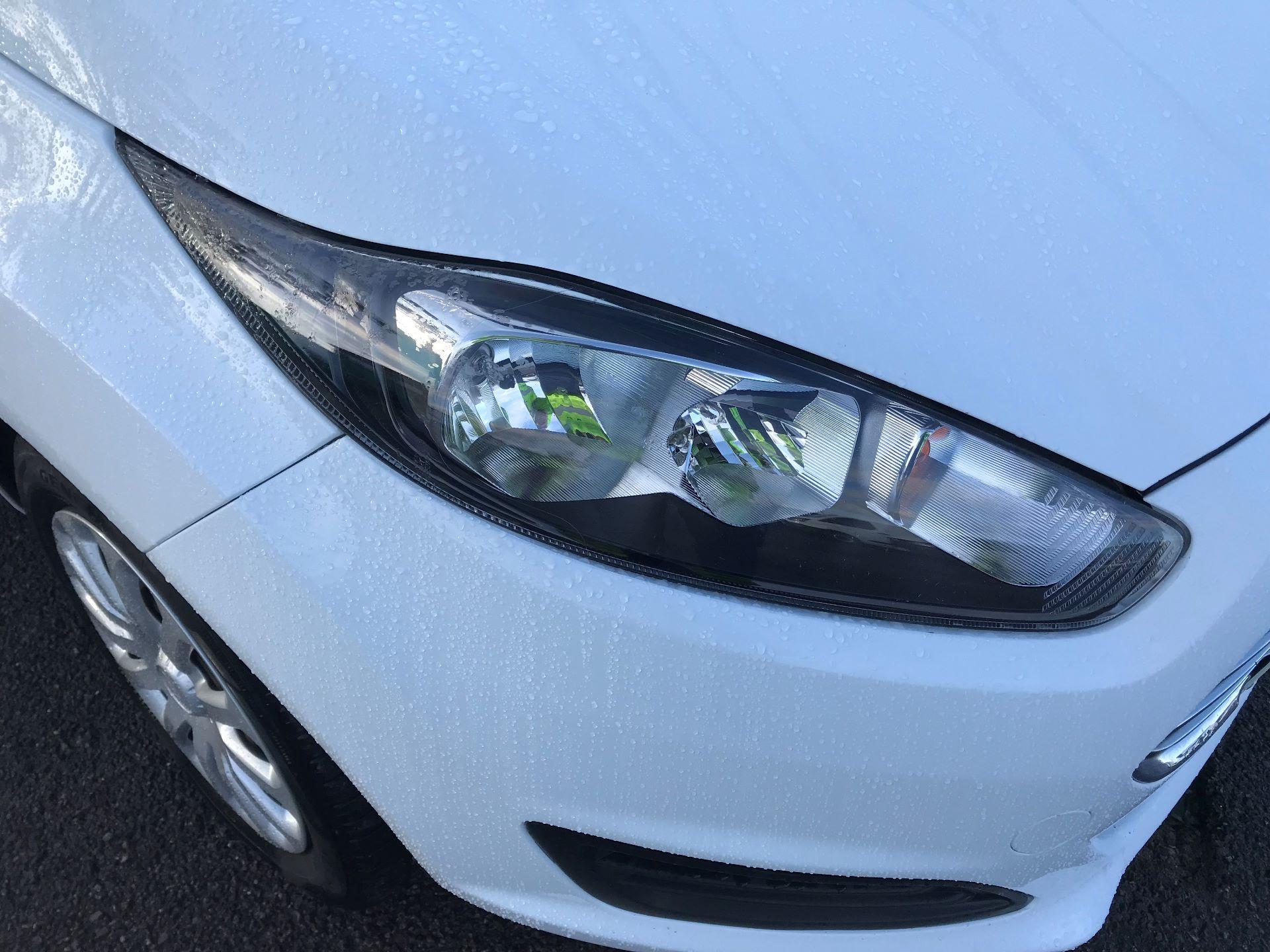2014 Ford Fiesta  DIESEL 1.5 TDCI VAN EURO 5 (NJ64VUB) Image 14