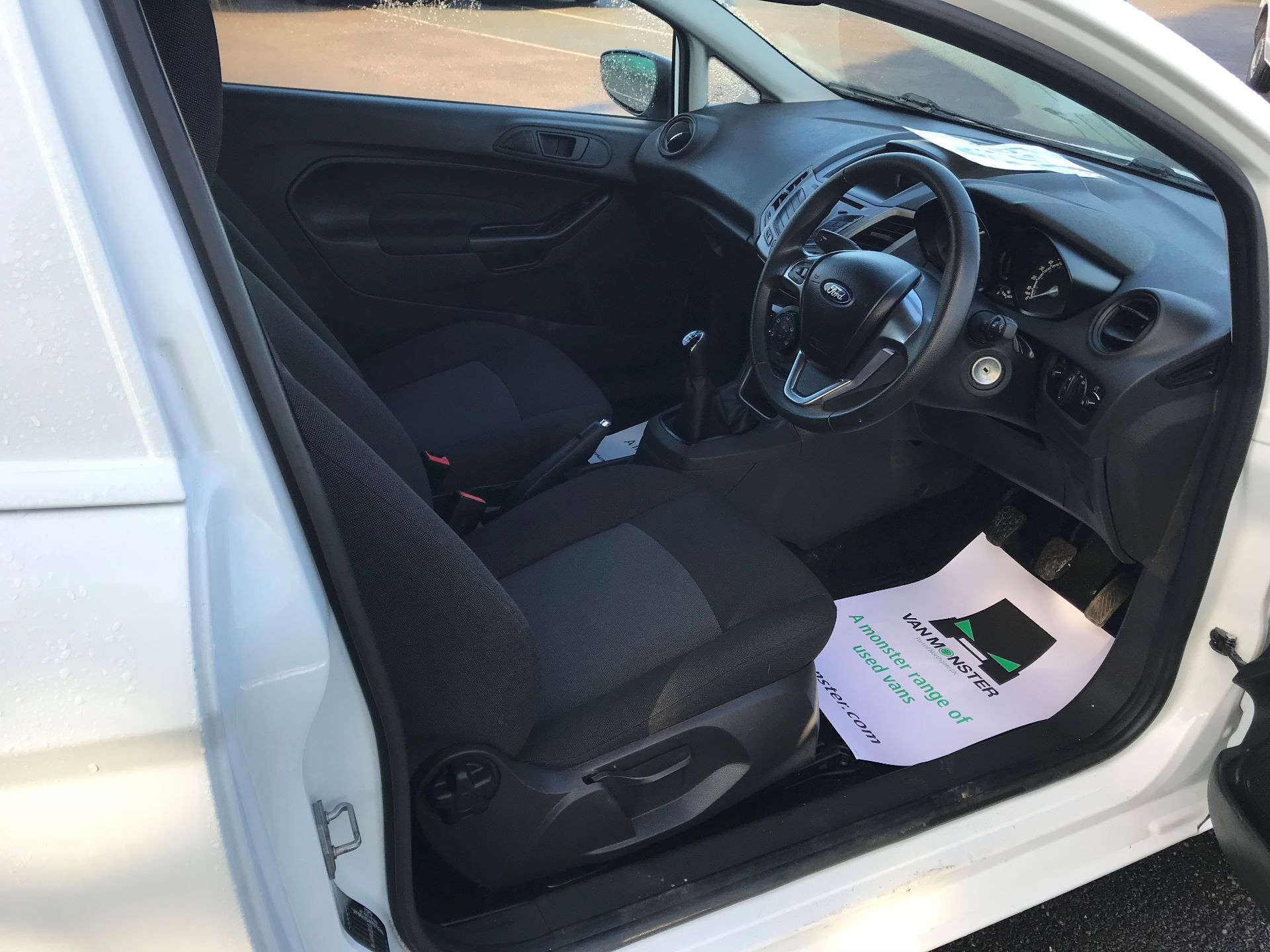 2014 Ford Fiesta  DIESEL 1.5 TDCI VAN EURO 5 (NJ64VUB) Image 19