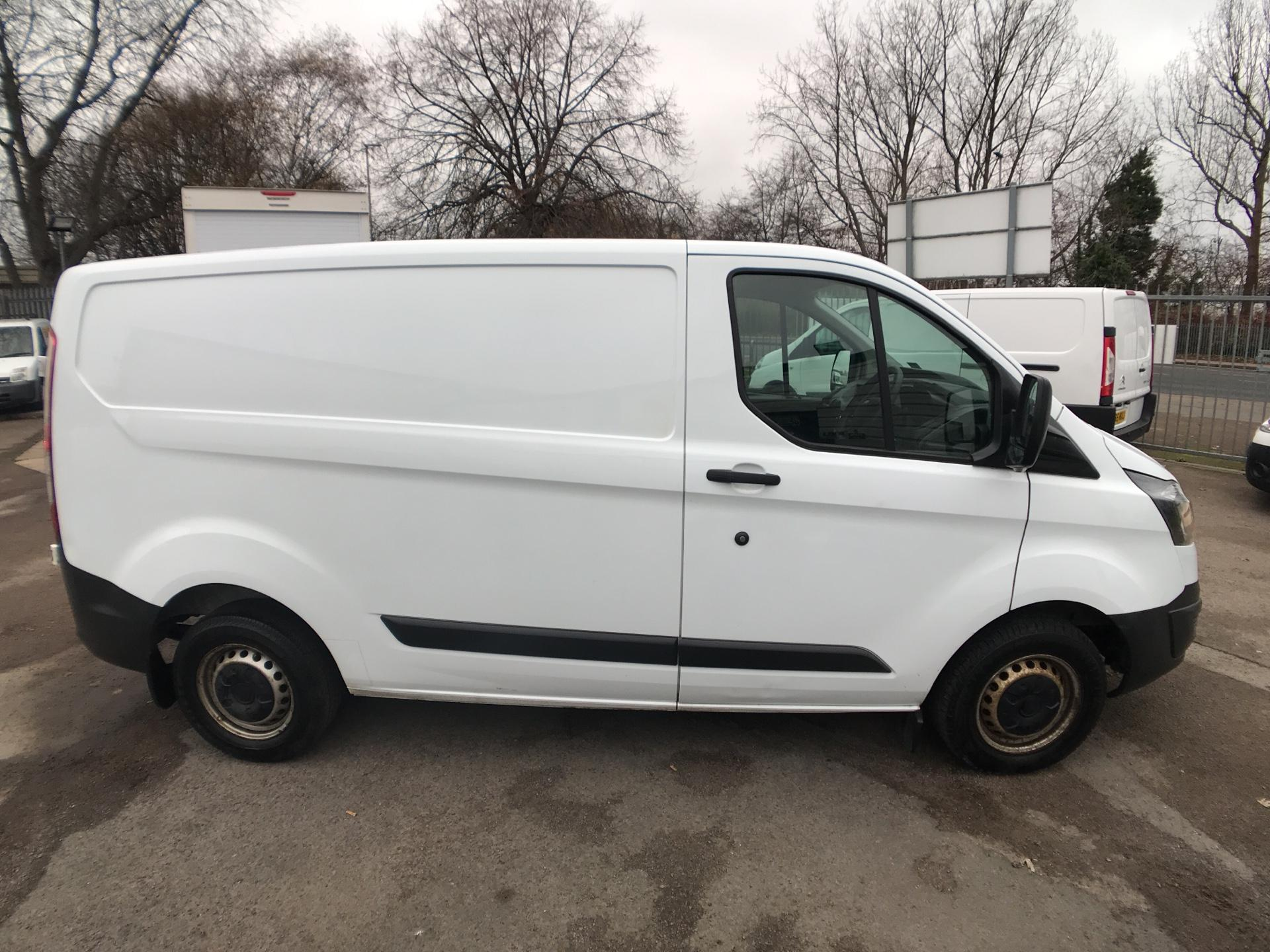 2015 Ford Transit Custom 290 L1 DIESEL FWD 2.2  TDCI 100PS LOW ROOF VAN EURO 5  (NK15XPX) Image 2