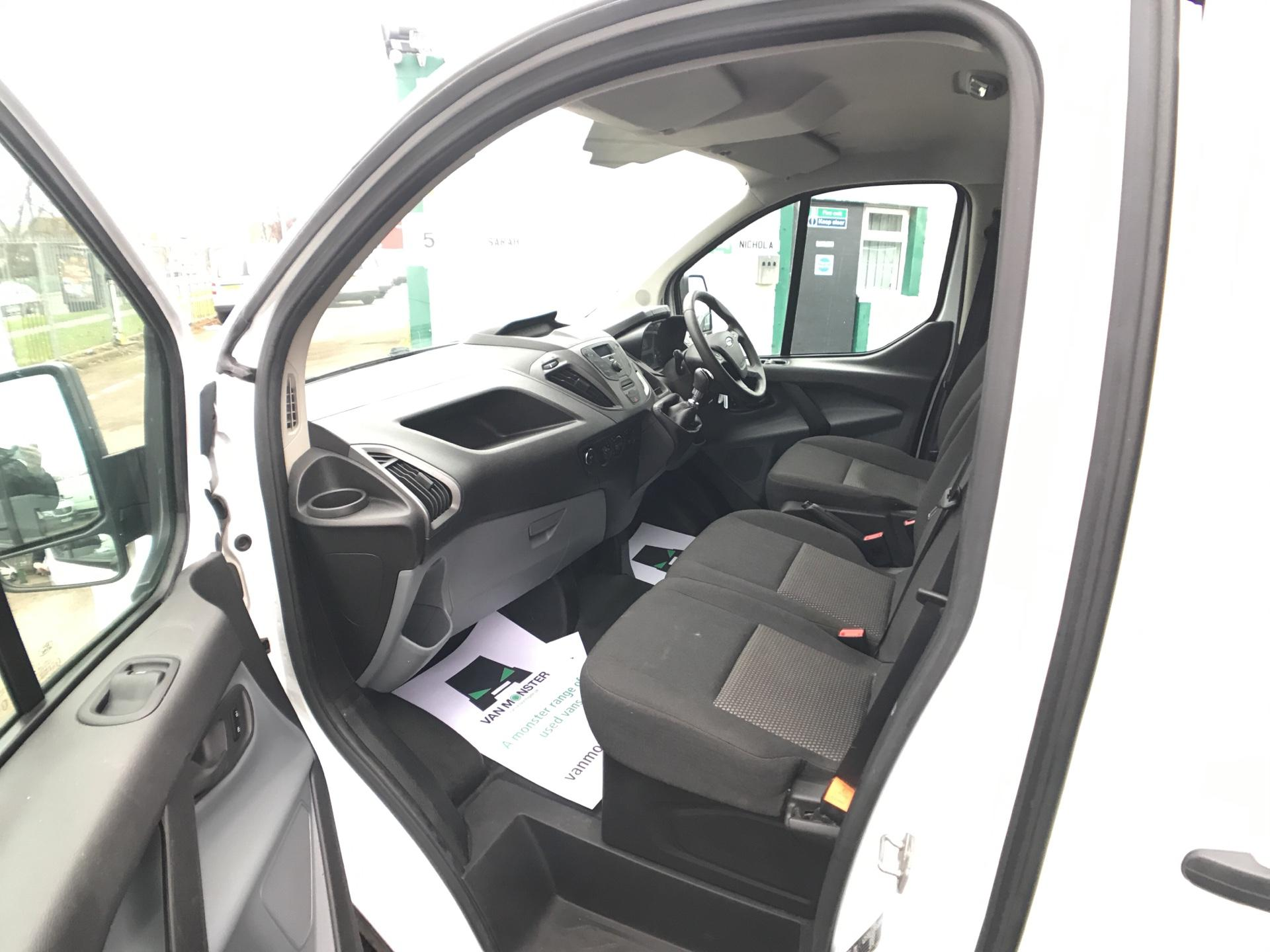 2015 Ford Transit Custom 290 L1 DIESEL FWD 2.2  TDCI 100PS LOW ROOF VAN EURO 5  (NK15XPX) Image 14