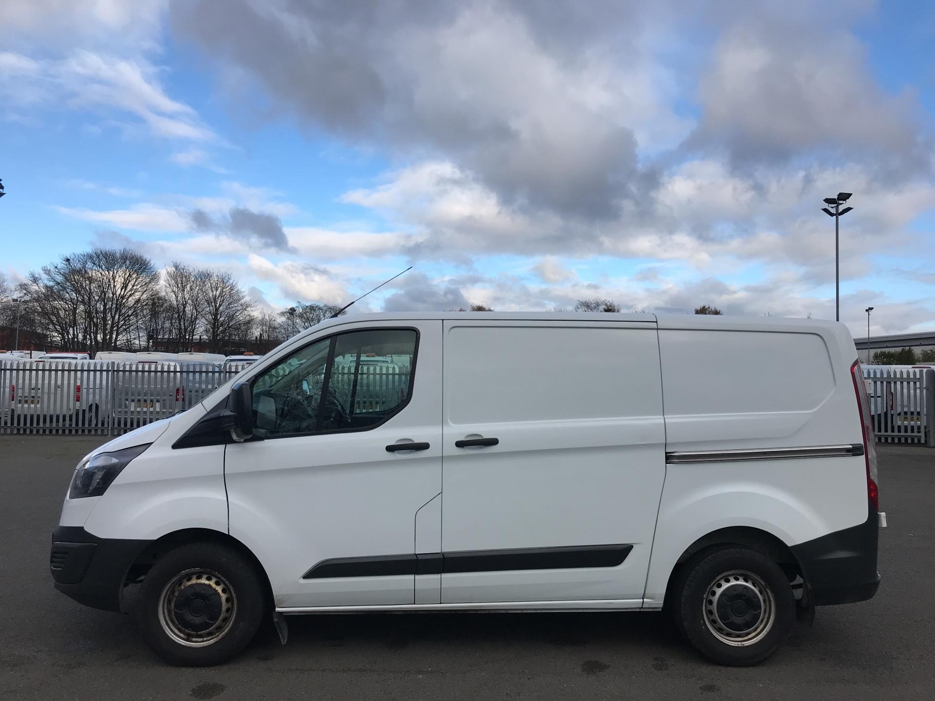 2015 Ford Transit Custom 290 L1 DIESEL FWD 2.2  TDCI 100PS LOW ROOF VAN EURO 5 *VALUE RANGE VEHICLE - CONDITION REFLECTED IN PRICE* (NK15XRE) Image 6
