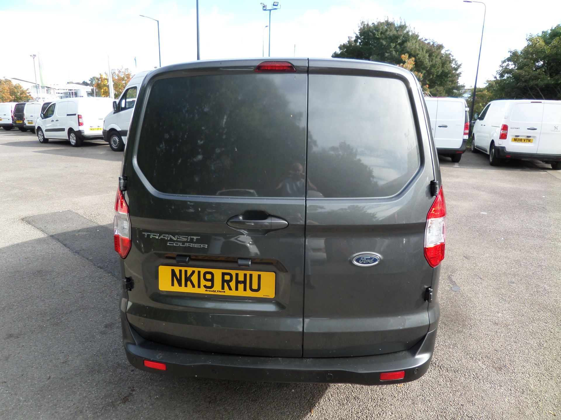 2019 Ford Transit Courier 1.5 Tdci 100Ps Limited Van [6 Speed] Euro 6 (NK19RHU) Image 3