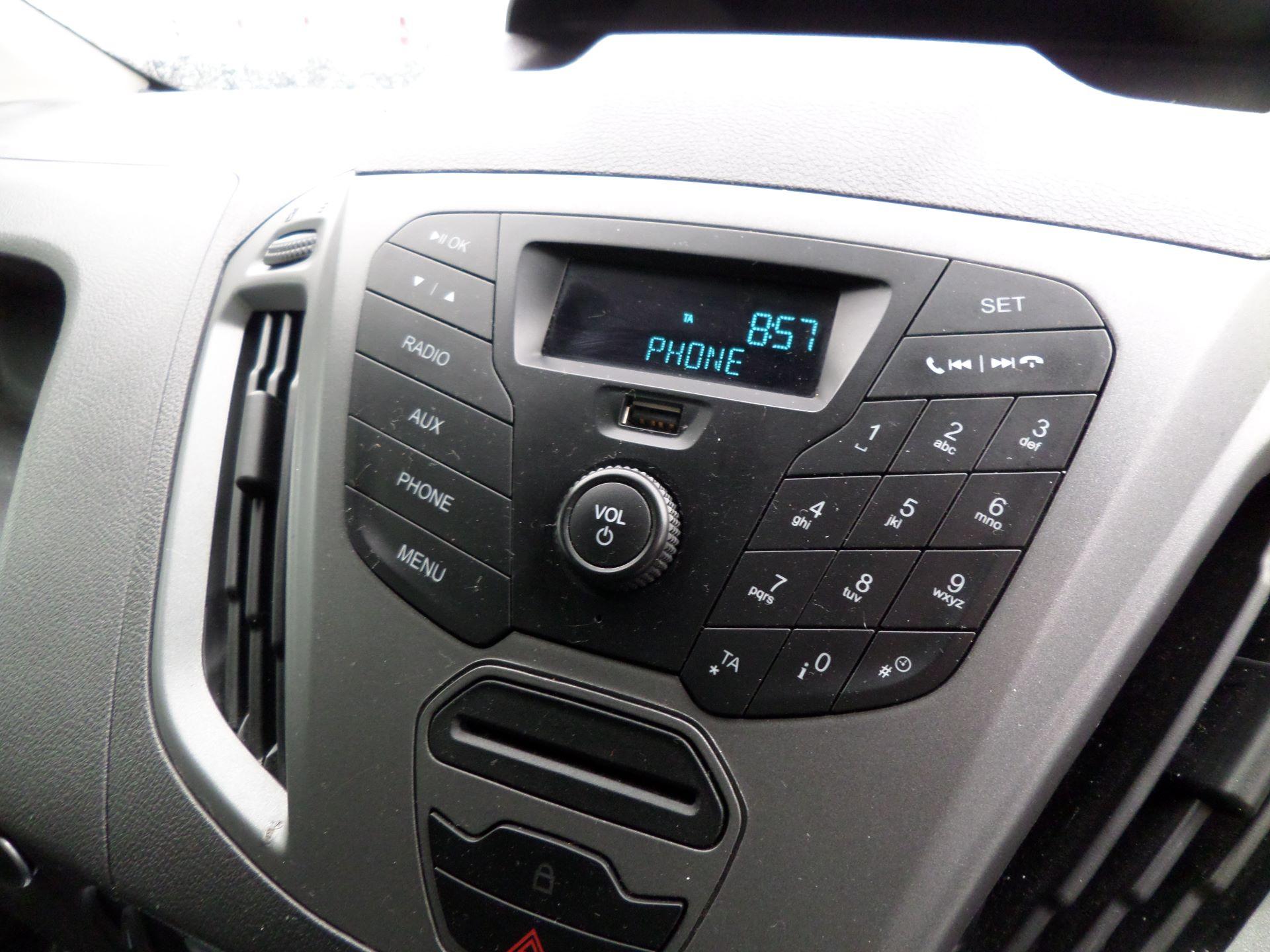 2014 Ford Transit Custom 290 L1 DIESEL FWD 2.2  TDCI 100PS LOW ROOF VAN EURO 5 (NK64YHN) Image 20