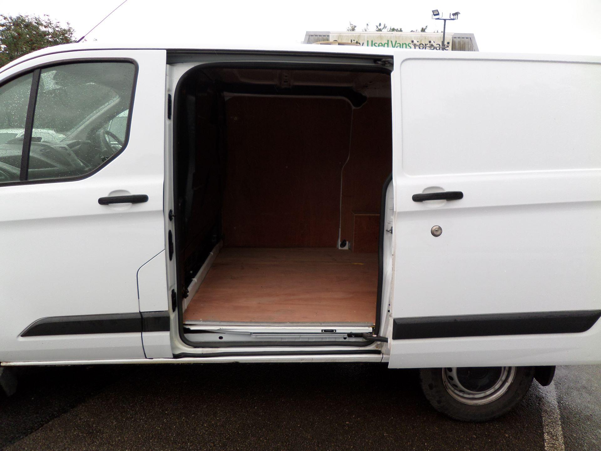 2014 Ford Transit Custom 290 L1 DIESEL FWD 2.2  TDCI 100PS LOW ROOF VAN EURO 5 (NK64YHN) Image 15