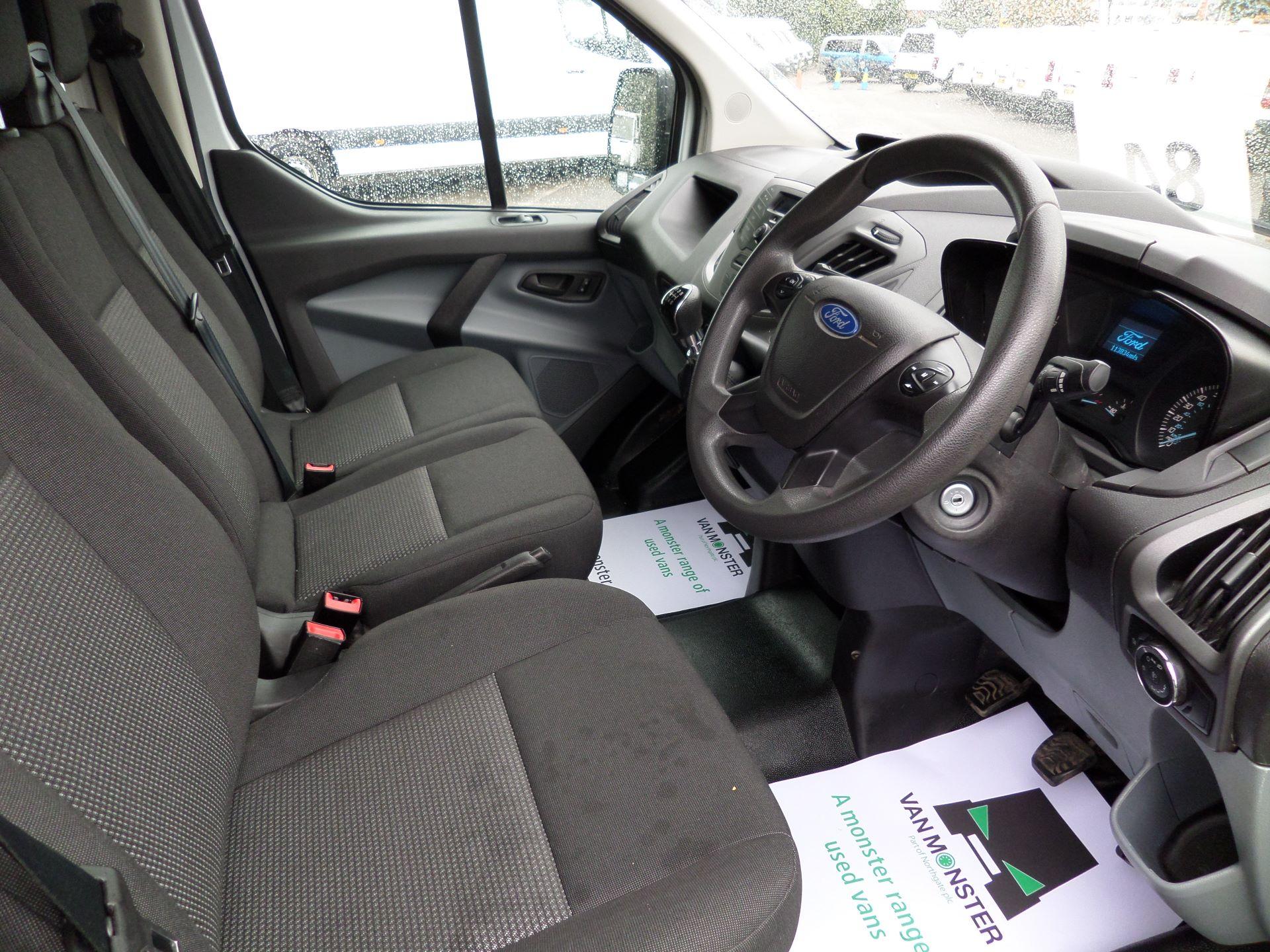 2014 Ford Transit Custom 290 L1 DIESEL FWD 2.2  TDCI 100PS LOW ROOF VAN EURO 5 (NK64YHN) Image 2
