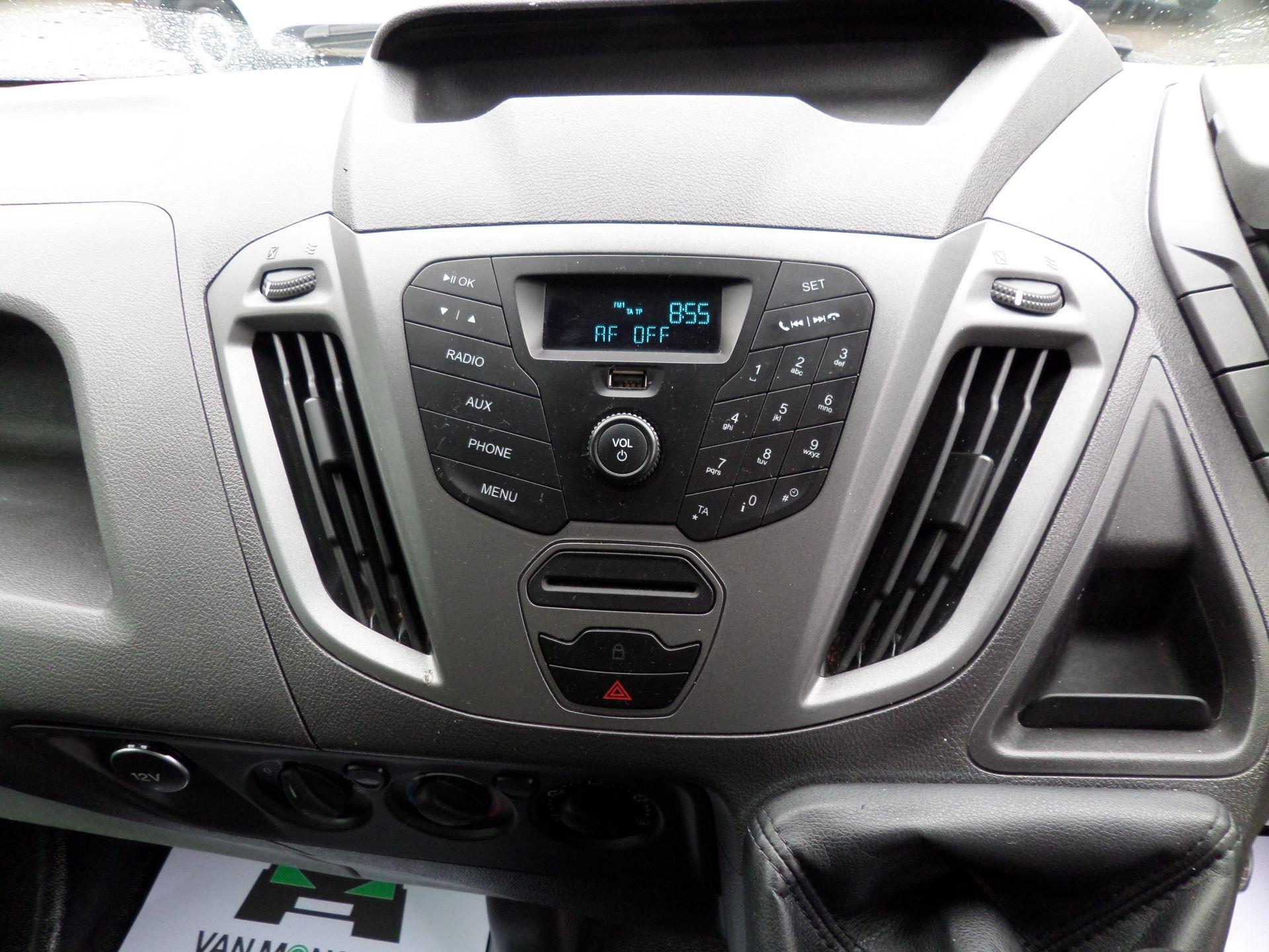 2014 Ford Transit Custom 290 L1 DIESEL FWD 2.2  TDCI 100PS LOW ROOF VAN EURO 5 (NK64YHN) Image 3