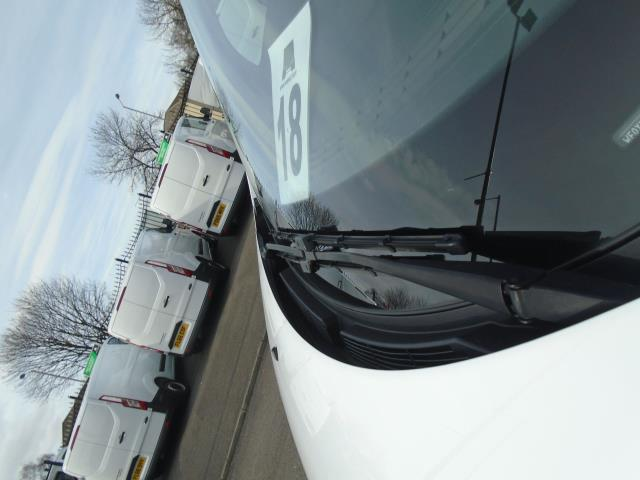 2014 Ford Transit Custom 290 L1 DIESEL FWD 2.2  TDCI 100PS LOW ROOF VAN EURO 5 (NL64AEF) Image 17