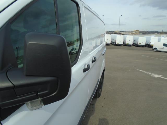 2014 Ford Transit Custom 290 L1 DIESEL FWD 2.2  TDCI 100PS LOW ROOF VAN EURO 5 (NL64AEF) Image 16