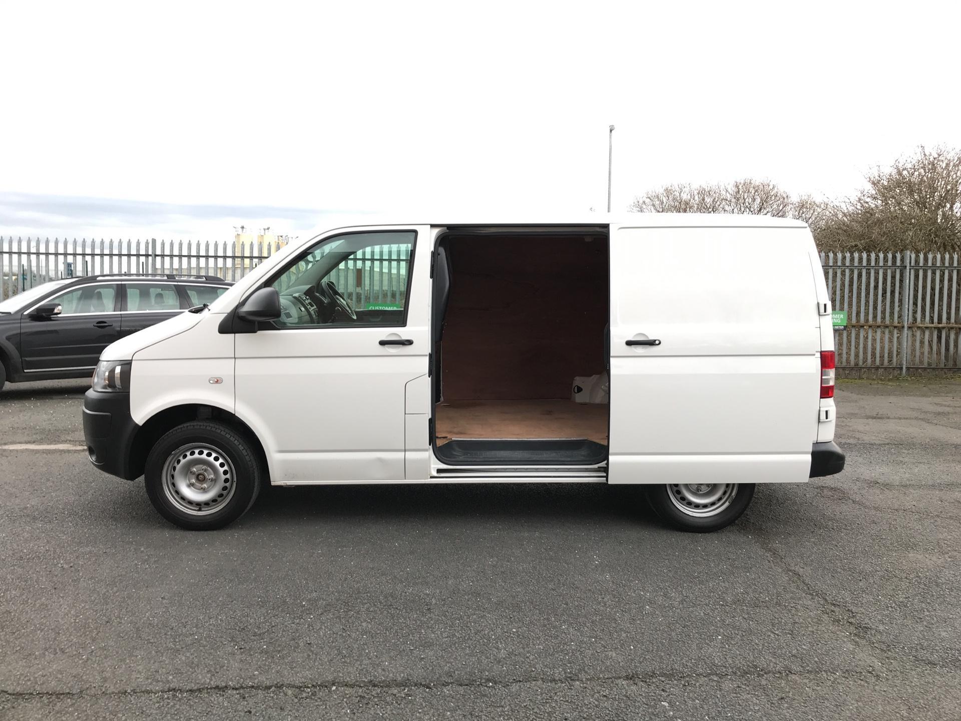 2014 Volkswagen Transporter  T28 SWB DIESEL 2.0 TDI 102PS STARTLINE EURO 5 *VALUE RANGE VEHICLE - CONDITION REFLECTED IN PRICE*  (NL64VEF) Image 18