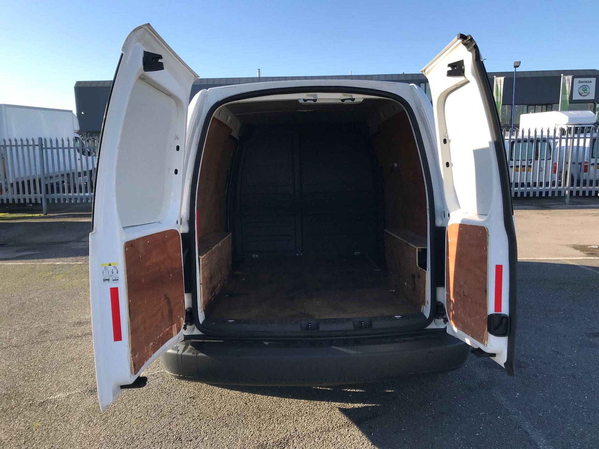 2014 Volkswagen Caddy  1.6 102PS Startline Euro 5 (NL64VFC) Image 7