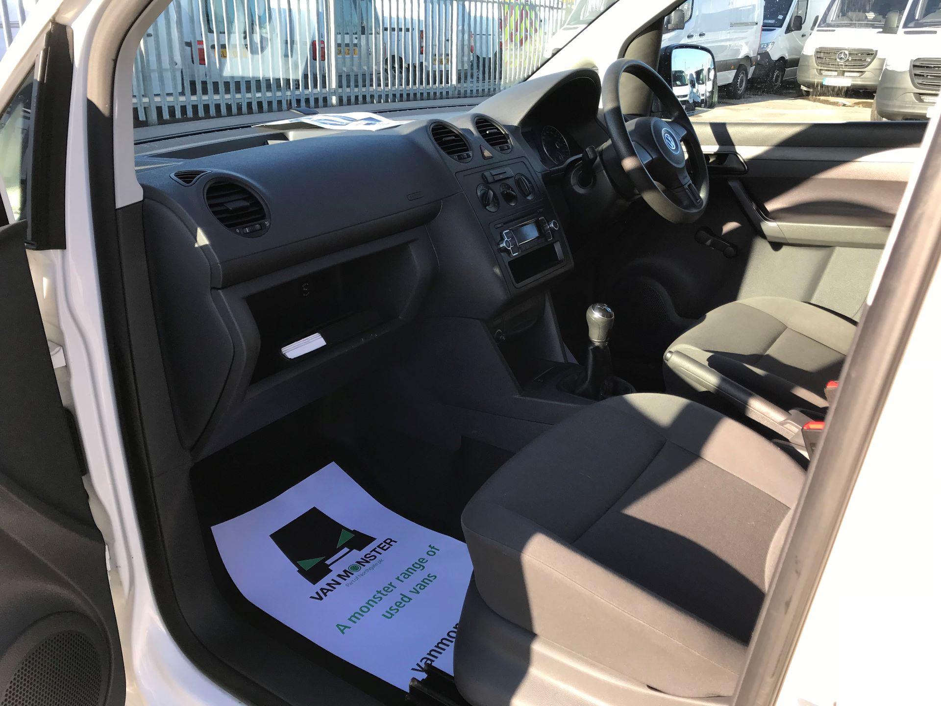 2014 Volkswagen Caddy  1.6 102PS Startline Euro 5 (NL64VFC) Image 19