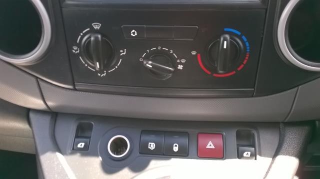 2014 Peugeot Partner L1 850 S 1.6 92PS (SLD) EURO 5 (NU14UDG) Image 23