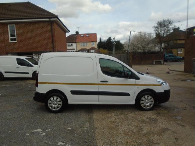 2014 Peugeot Partner L1 850 S 1.6 92PS (SLD) EURO 5 (NU14UPA) Image 2