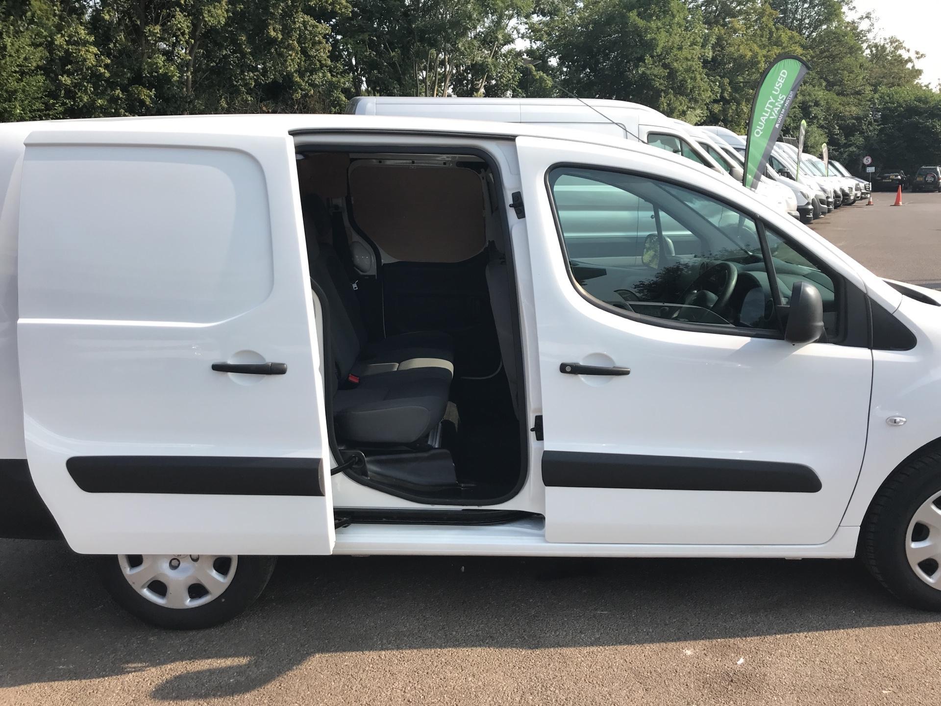 2014 Peugeot Partner  L2 716 1.6 92 CREW VAN EURO 5 (NU14VUS) Image 19