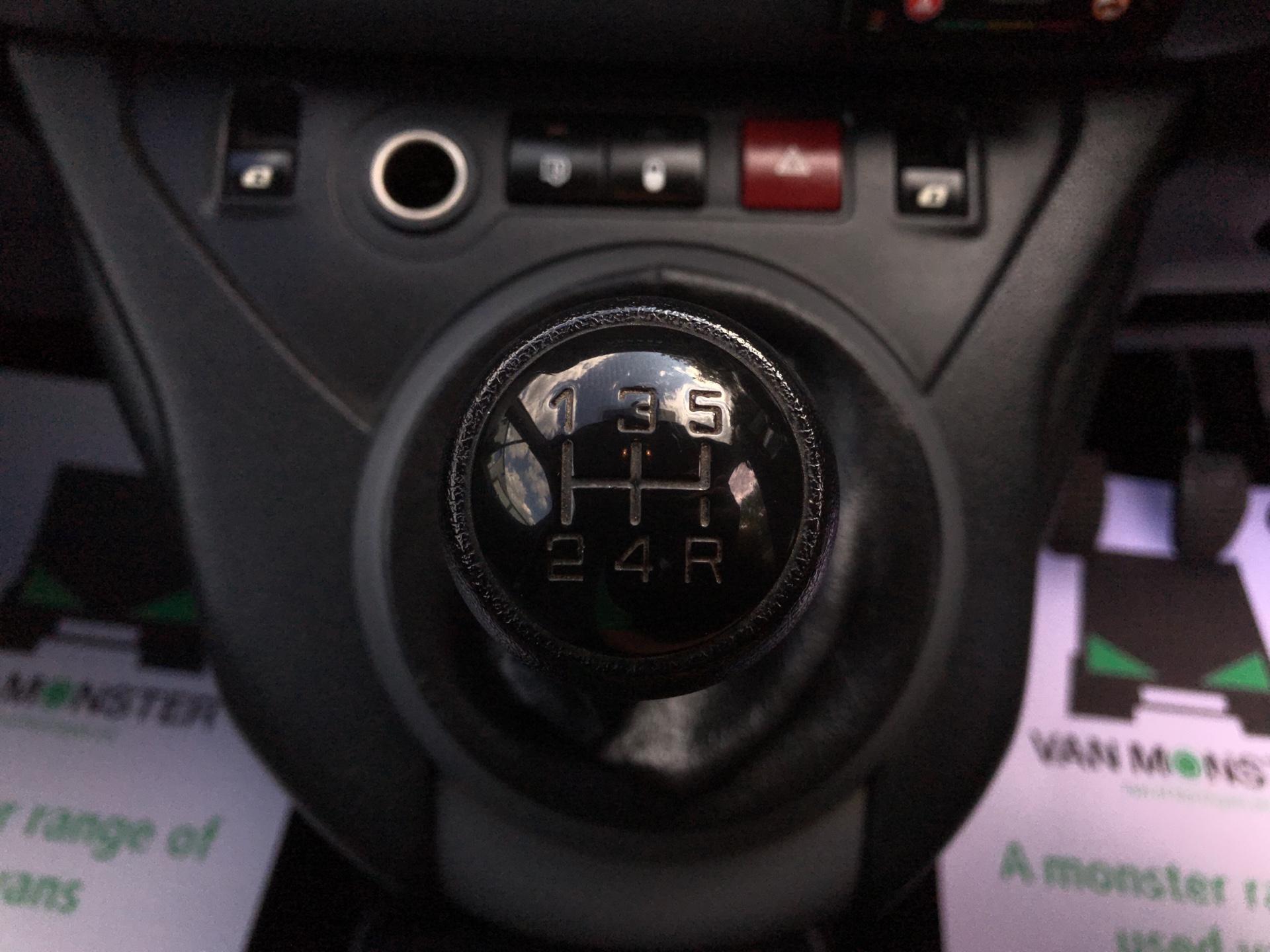 2015 Peugeot Partner L1 850 S 1.6 92PS (SLD) EURO 5 (NU15FHE) Image 11