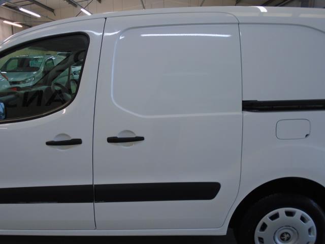2015 Peugeot Partner 850 S 1.6 Hdi 92 Van [Sld] (NU15FHM) Image 6