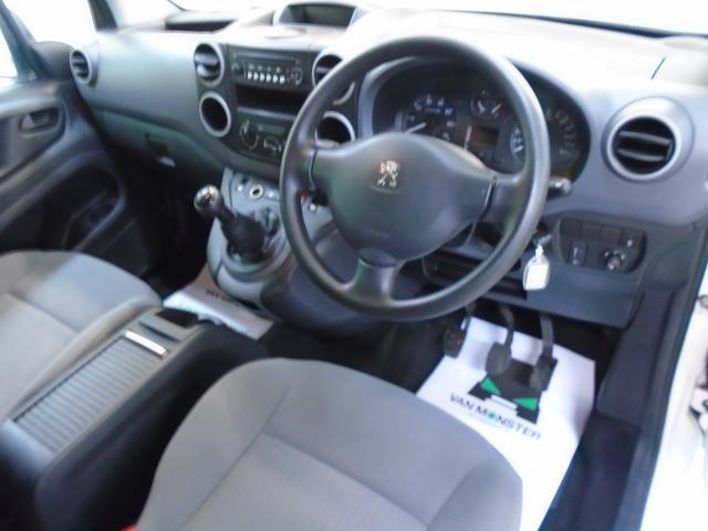 2015 Peugeot Partner 850 S 1.6 Hdi 92 Van [Sld] (NU15FHM) Image 18